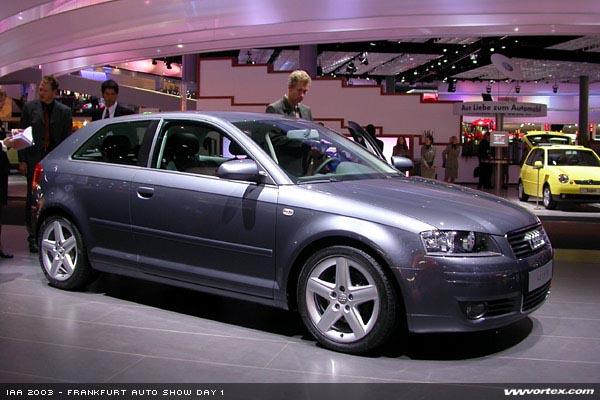 Audi Q3 2015 EU 295 600x300 photo