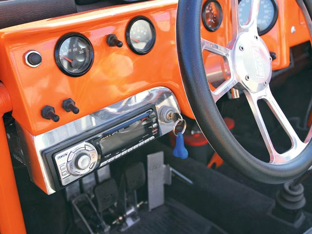 0702or_07_z+1974_volkswagen_thing_custom_buggy+headunit