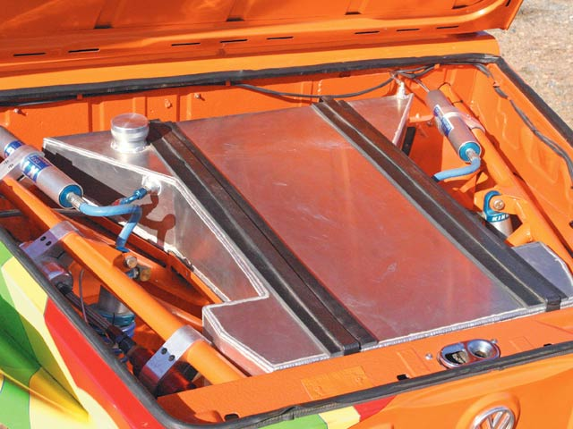0702or_09_z+1974_volkswagen_thing_custom_buggy+custom_aluminum_fuel_cell