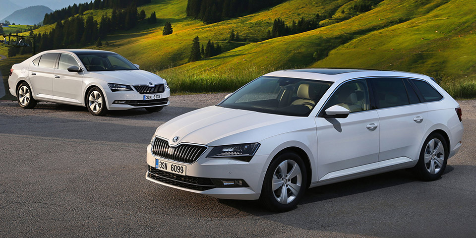 150825 The new SKODA Superb GreenLine 110x60