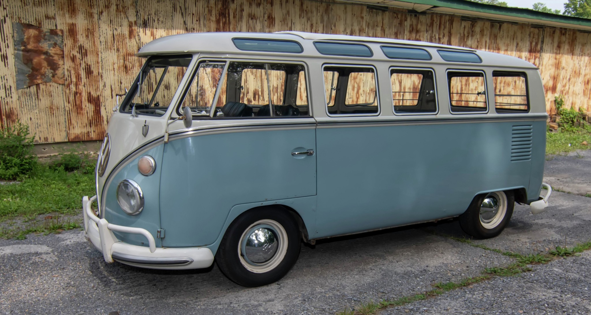 1967_volkswagen_bus_1565561289171800Bus-Full-View-5