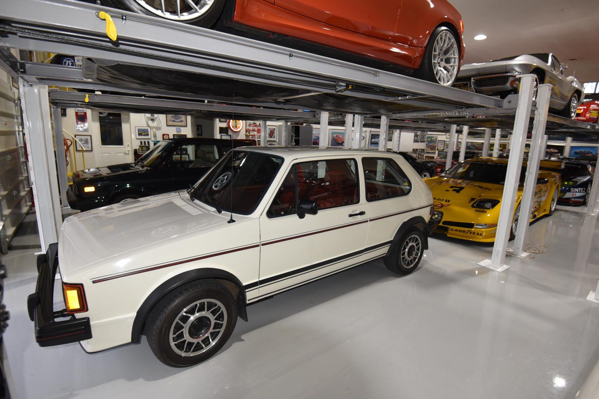 Audi Hands Out Magna Dealer Awards Fourtitudecom - Audi dealers in illinois