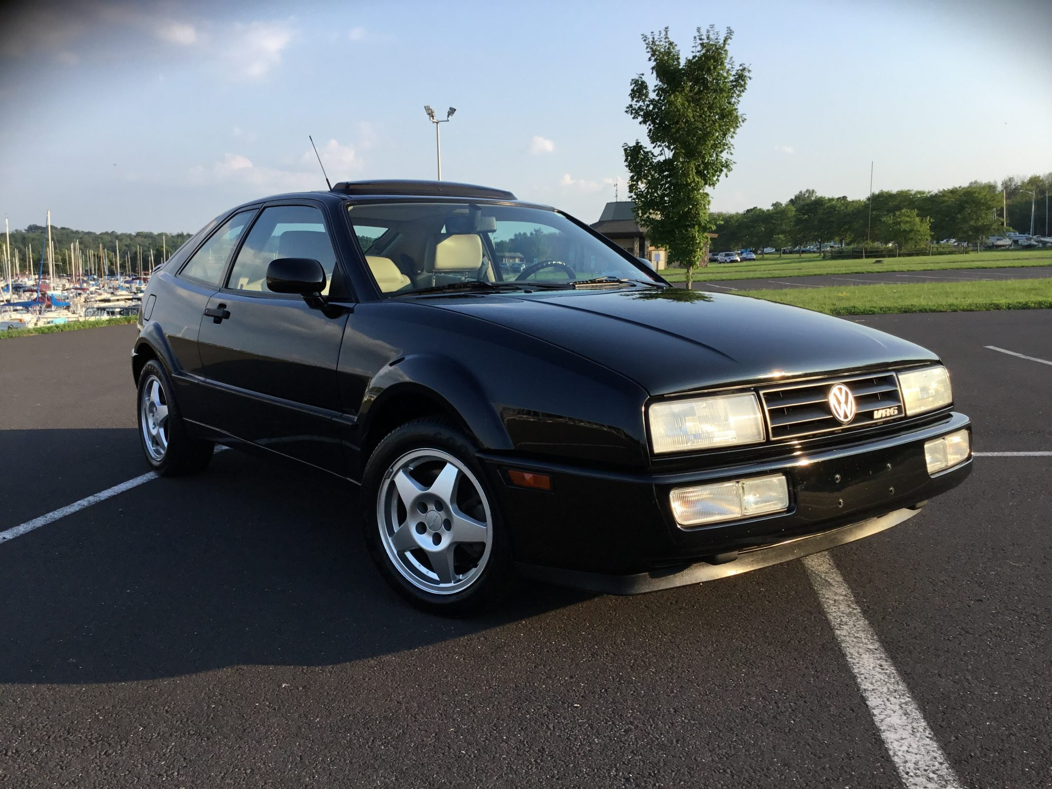 1994_volkswagen_corrado_vr6_1597151569107df3978DC37861-BD01-4B17-8AA8-F003AA8332DF-scaled