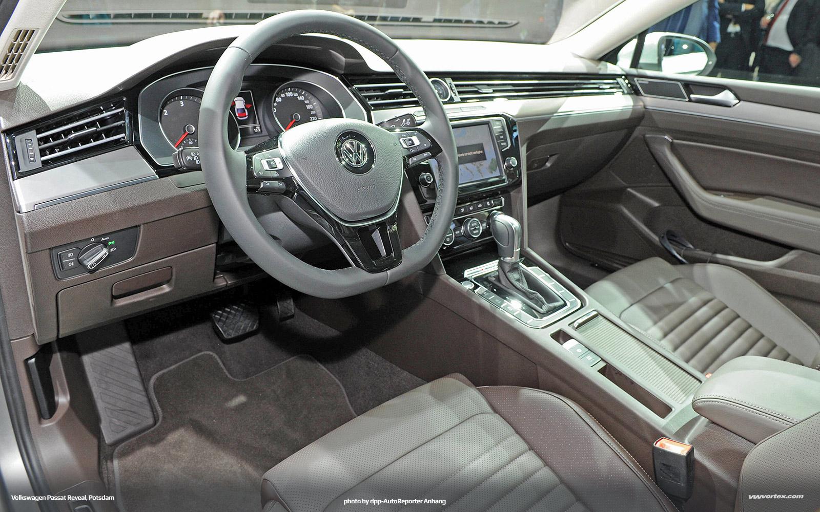 2014-Volkswagen-Passat-VIII-MQB-Reveal-Potsdam-670