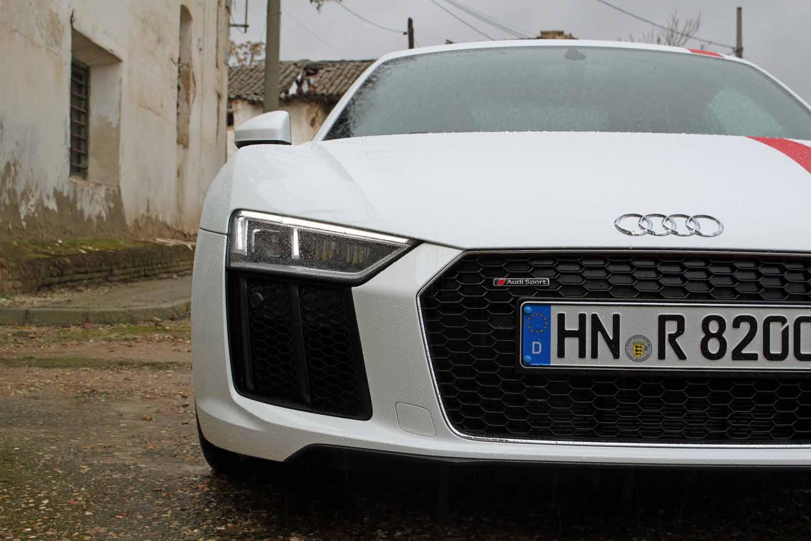 Audi TT GT1 Front View (by: Peter Stevens)