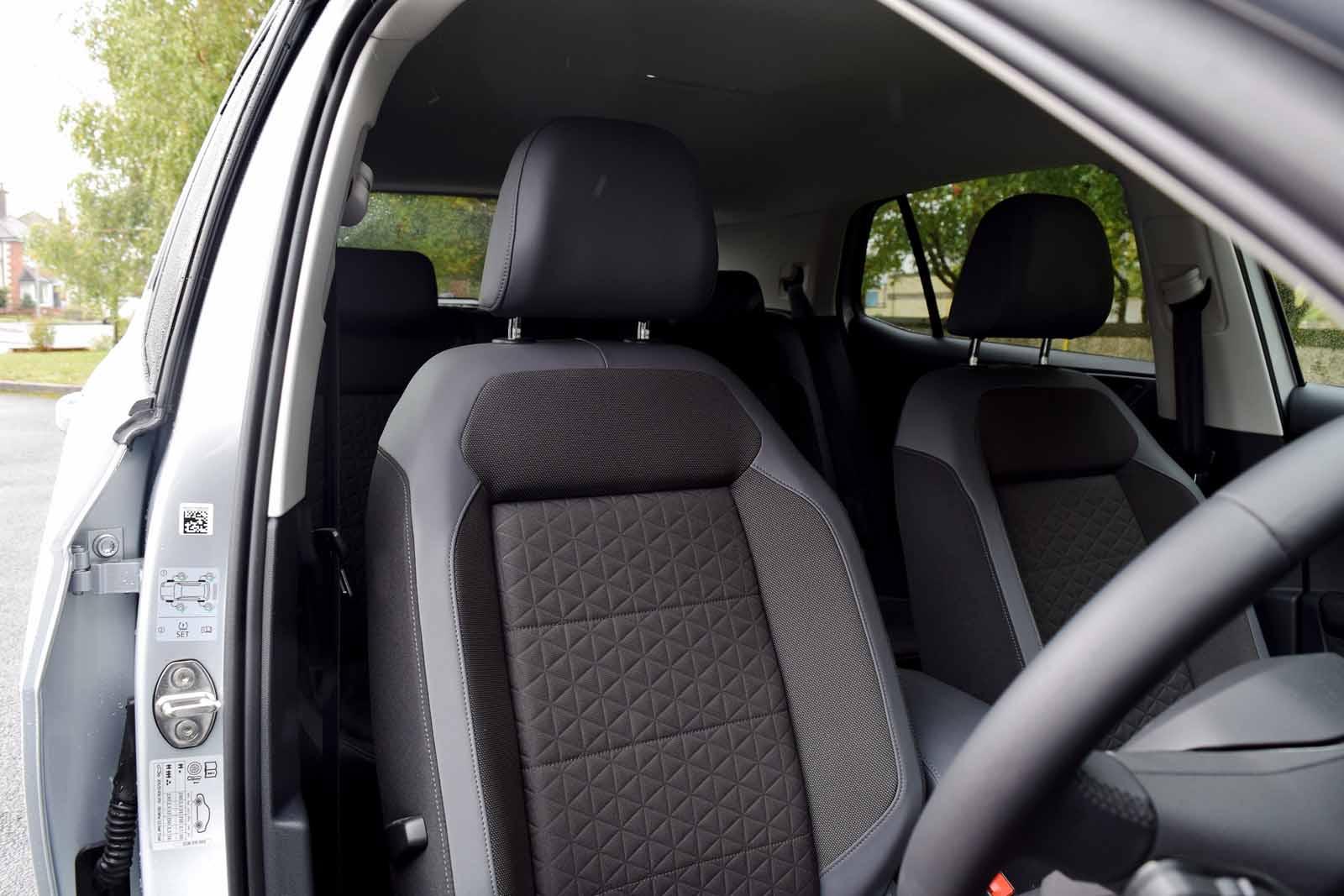 2019 VW T-Cross Review (17)