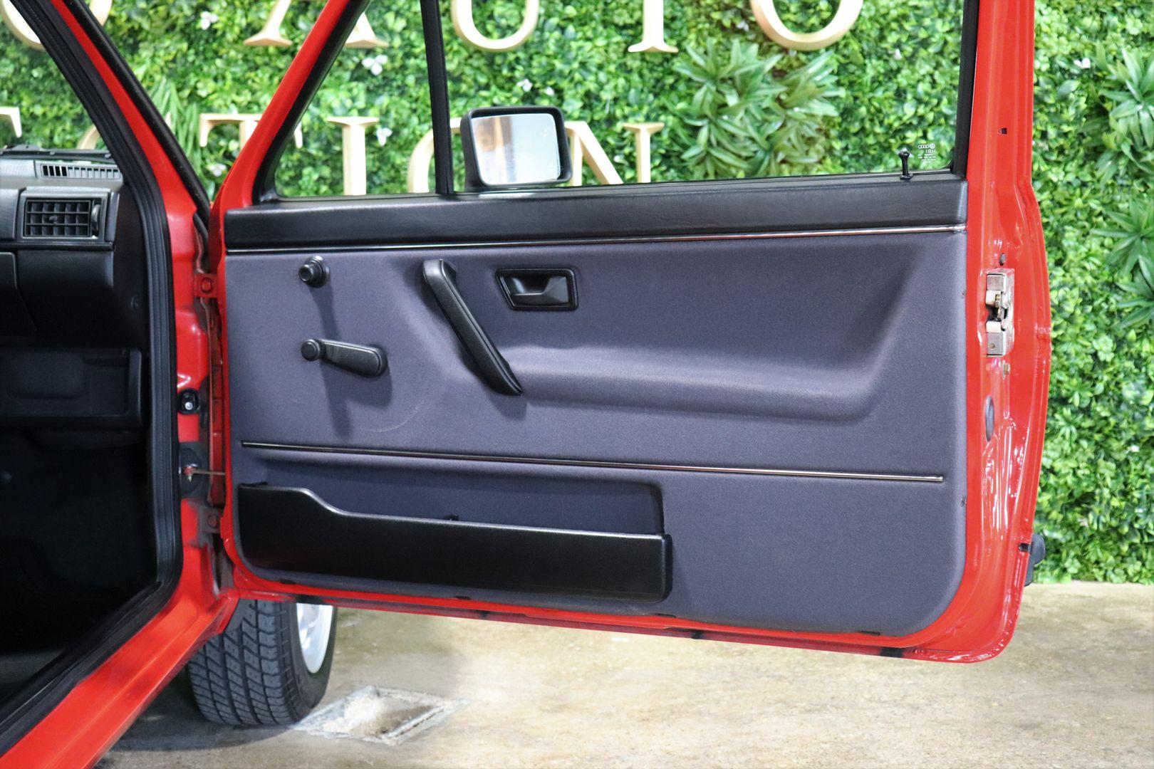 02 Bugatti Chiron The Quail photo