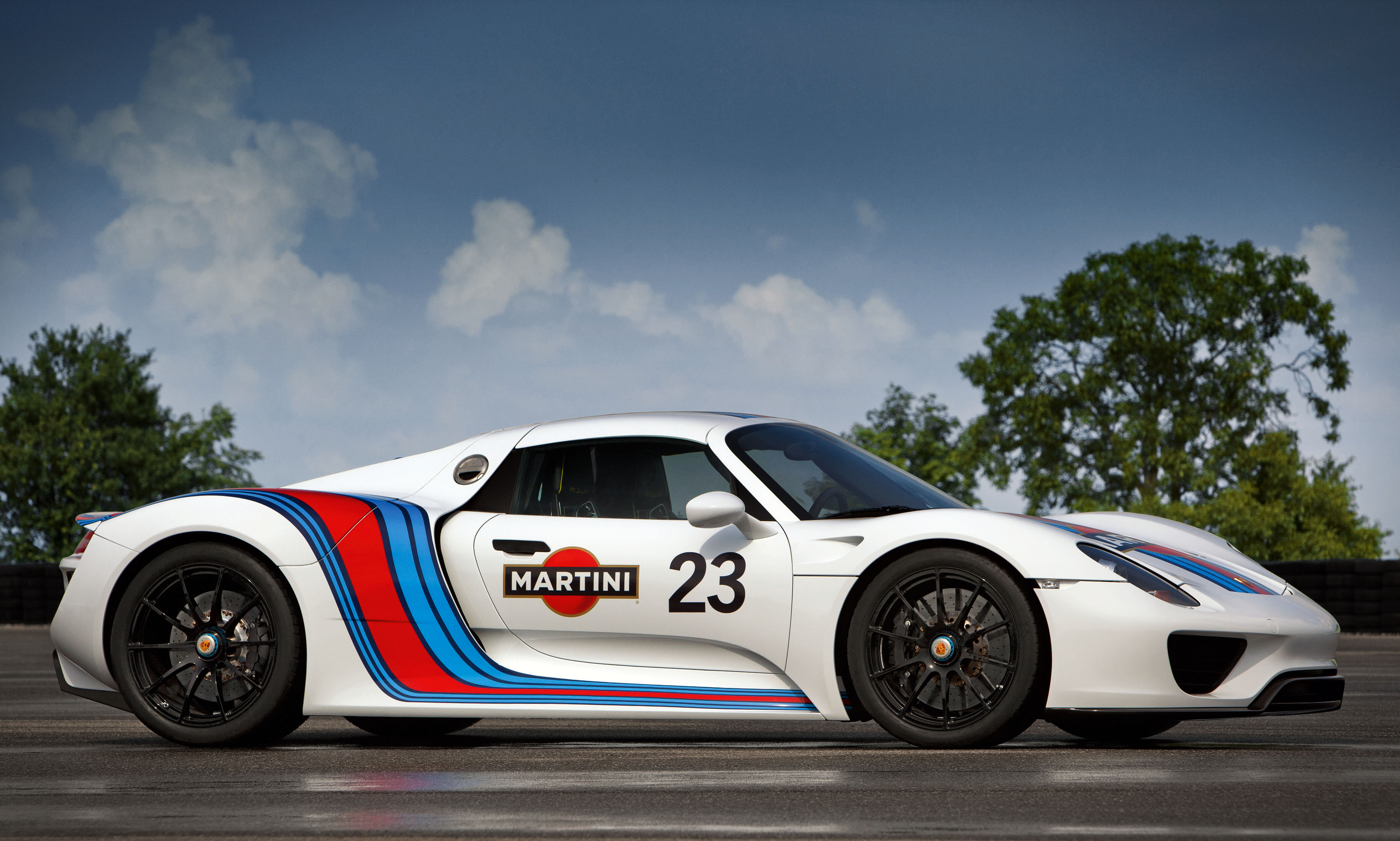 918 Martini side