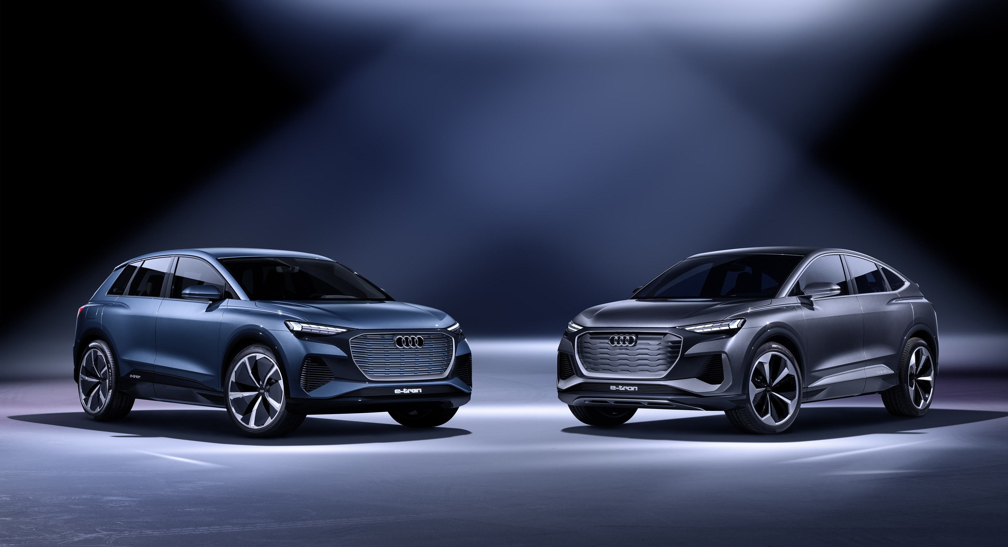 Audi Q4 e-tron concept Static photo, Color: solar sky Audi Q4 Sportback e-tron concept Static photo, Color: kinetic grey