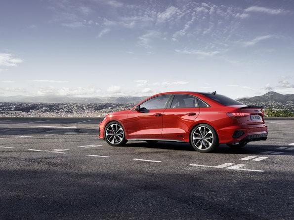 2015 Detroit Auto Show NAIAS Audi 524 600x300 photo