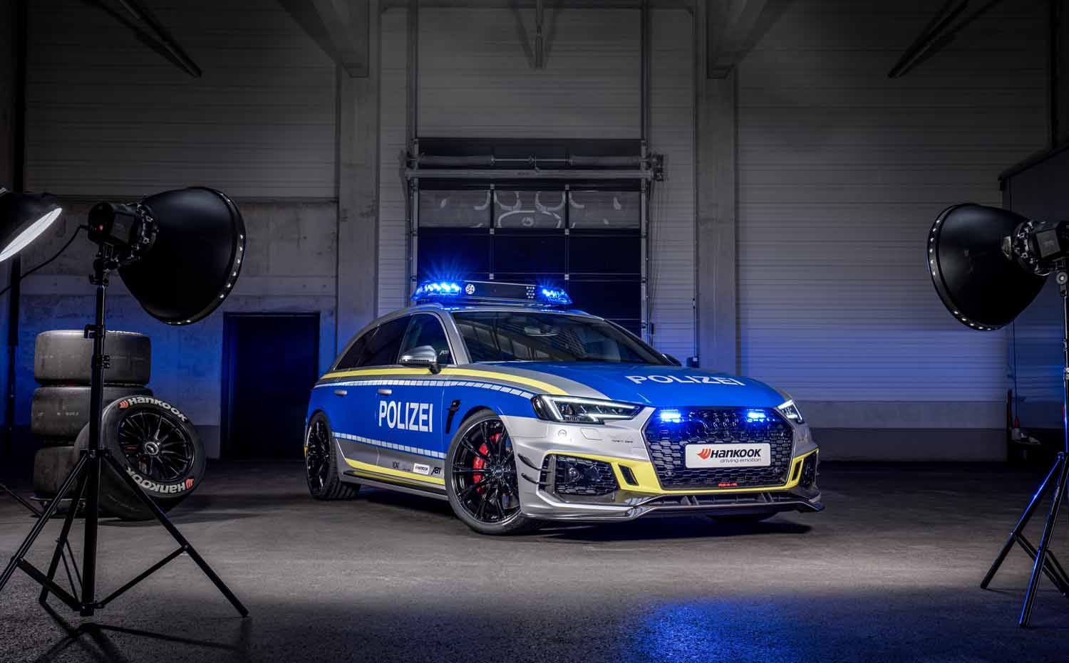 ABT_RS4-R_police_Tune_it_Safe_10