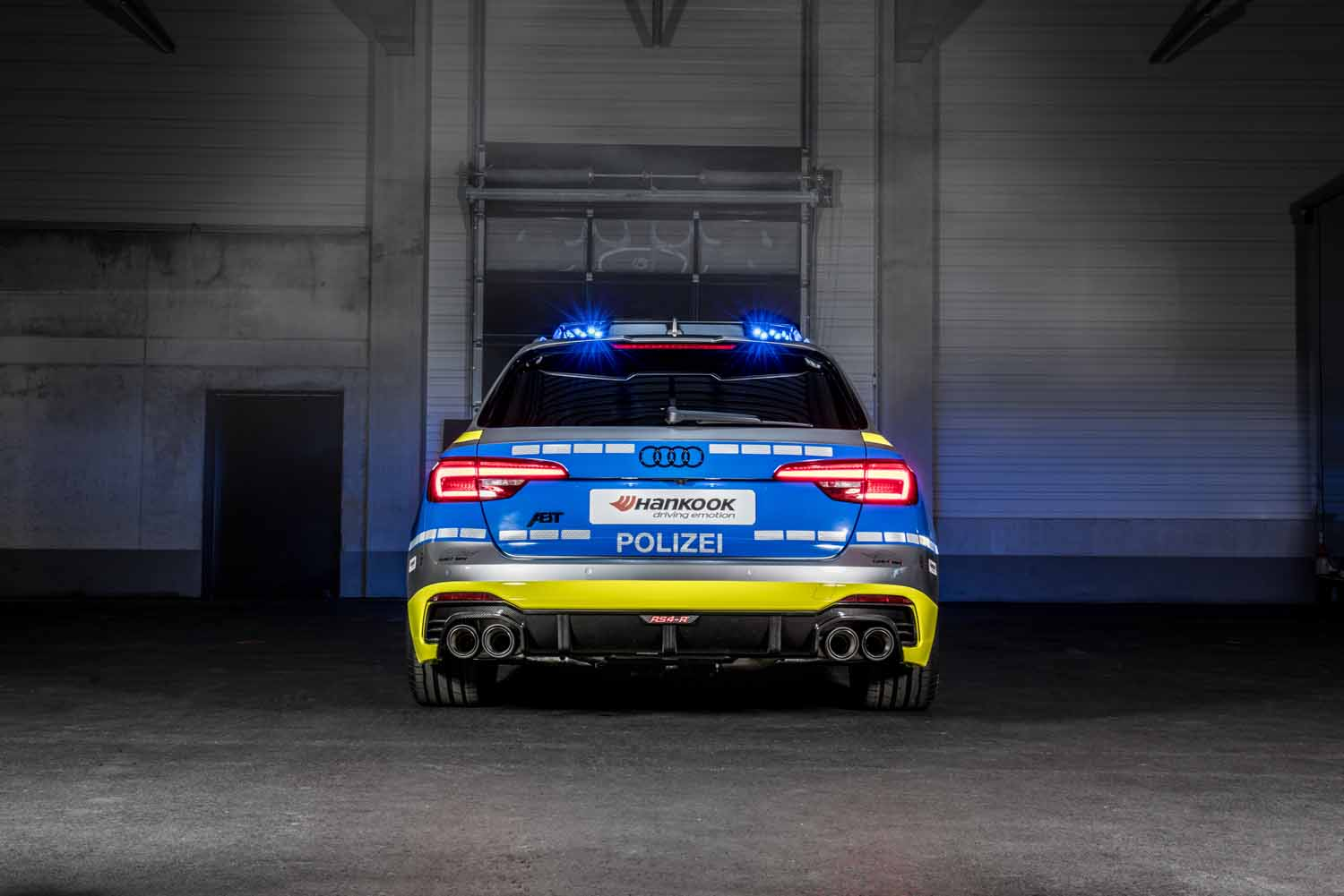 ABT_RS4-R_police_Tune_it_Safe_14