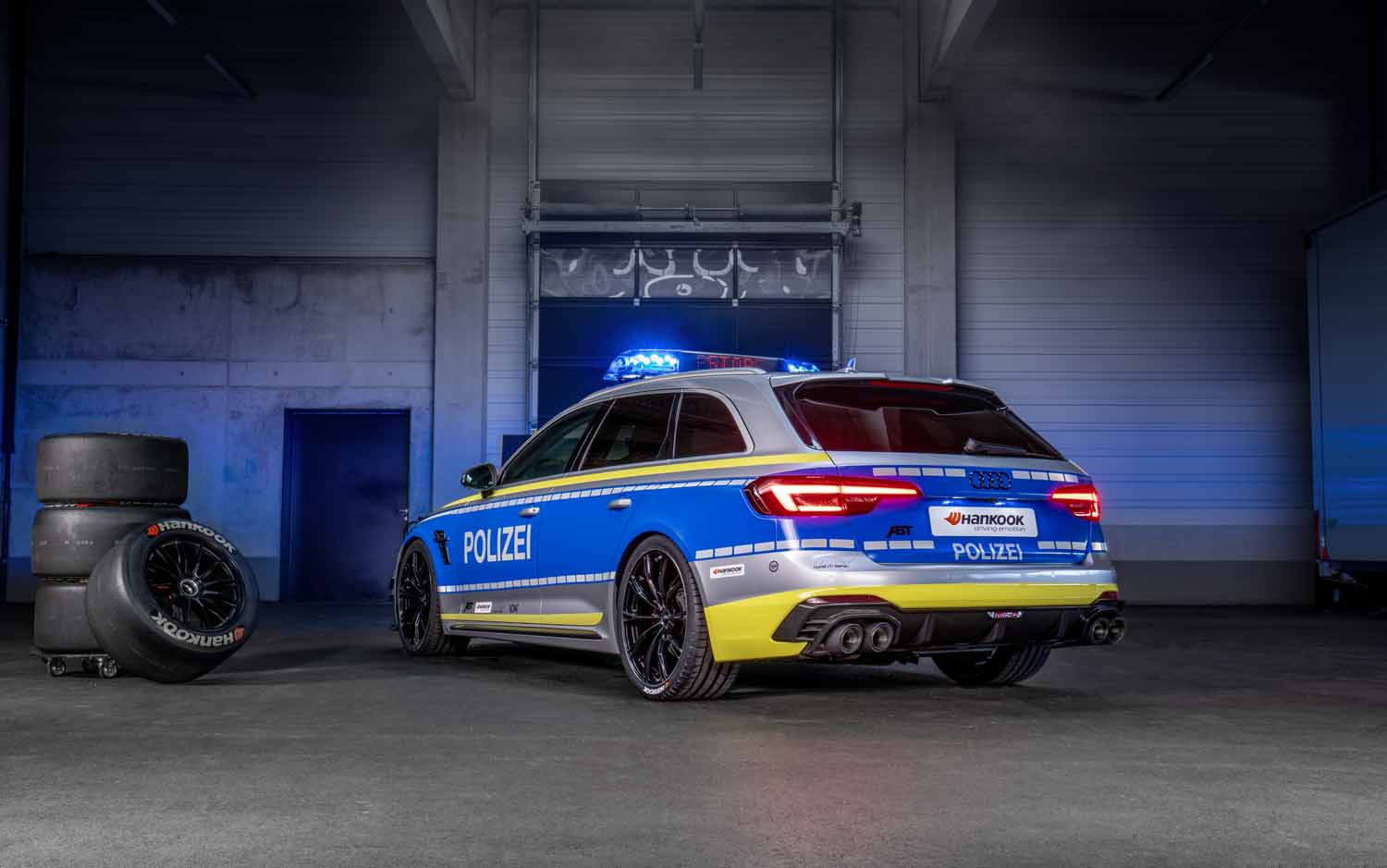 ABT_RS4-R_police_Tune_it_Safe_9