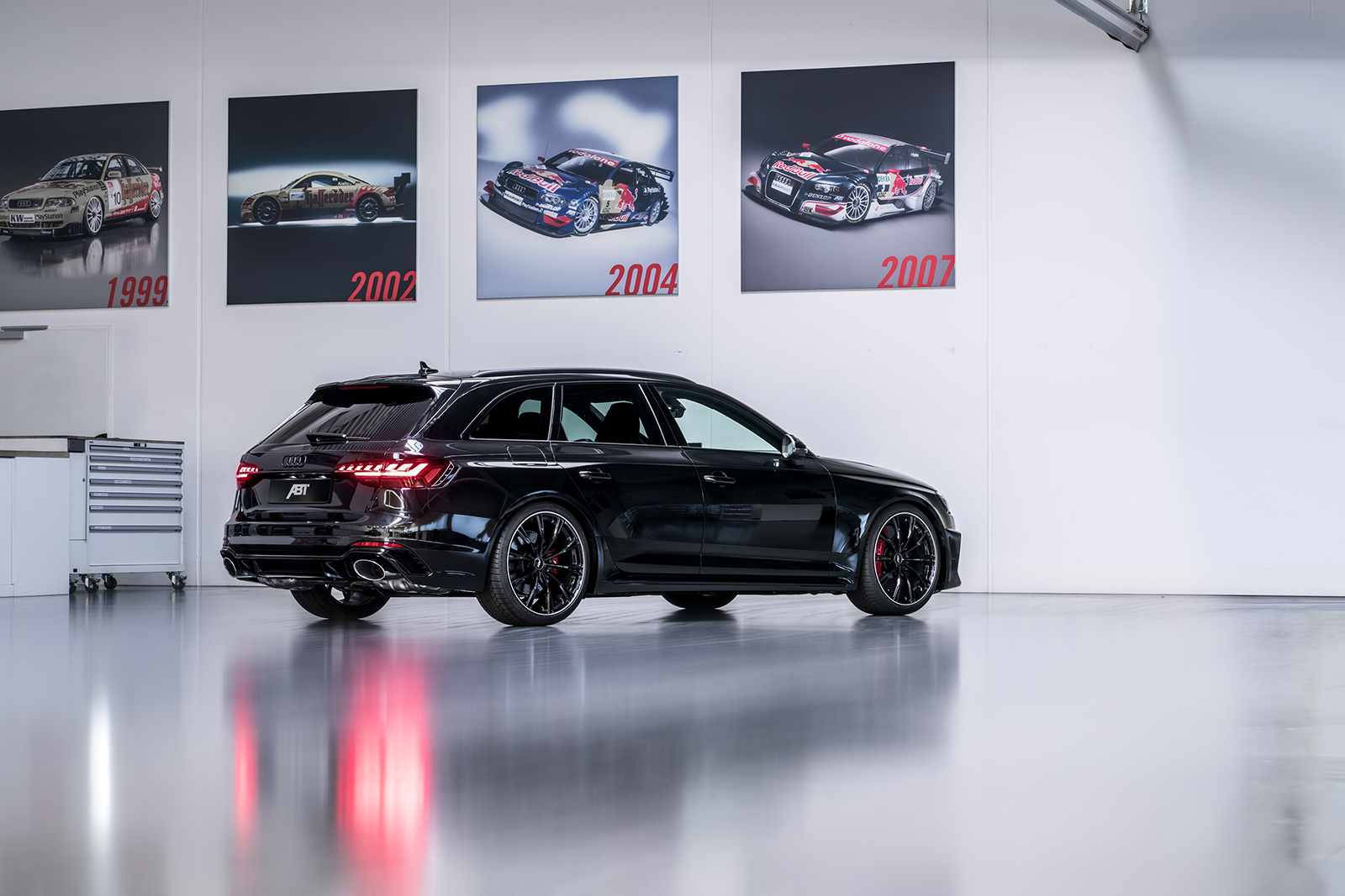 ABT_RS4_rear_diagonally