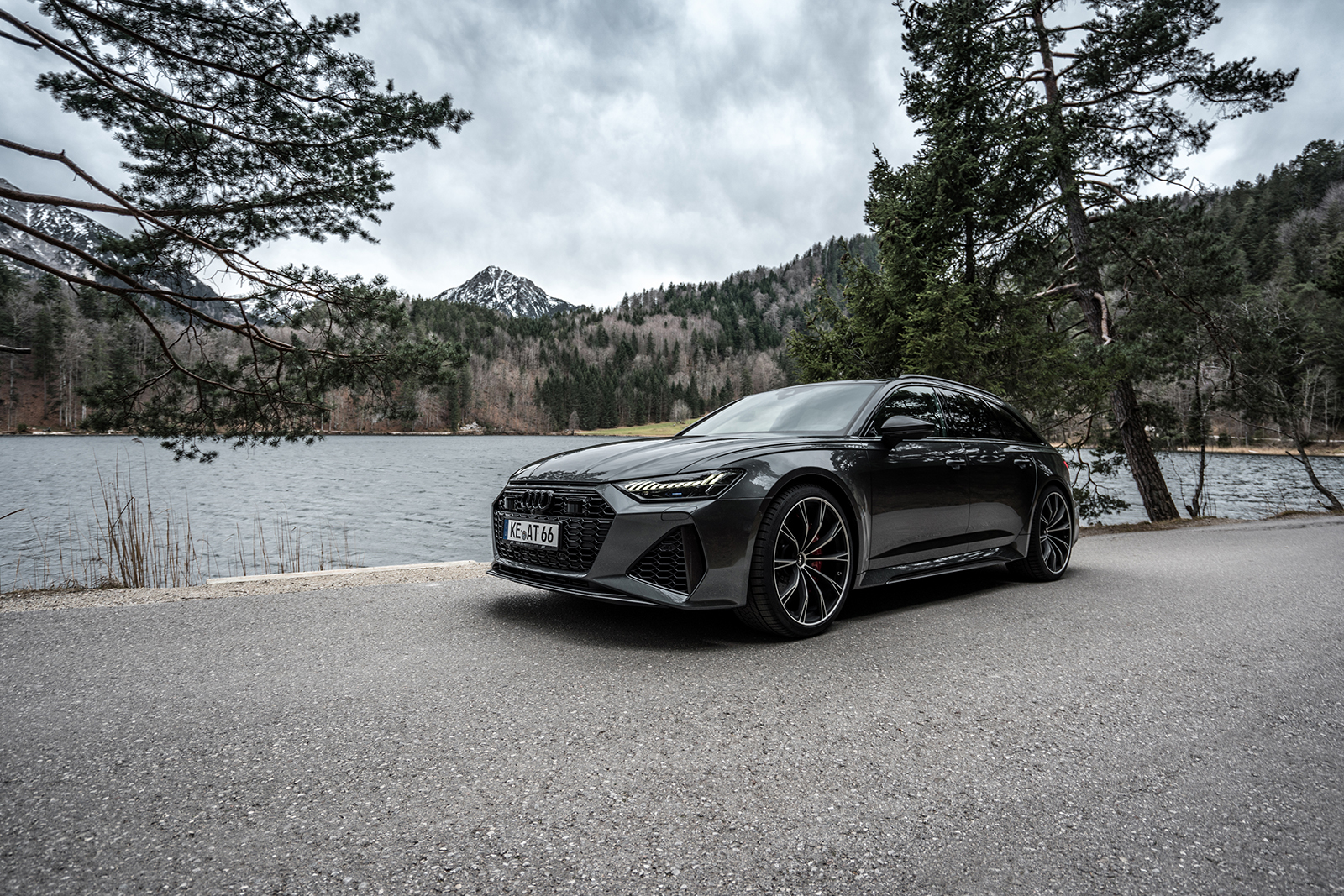 ABT_RS6_landscape_front_diagonally_1