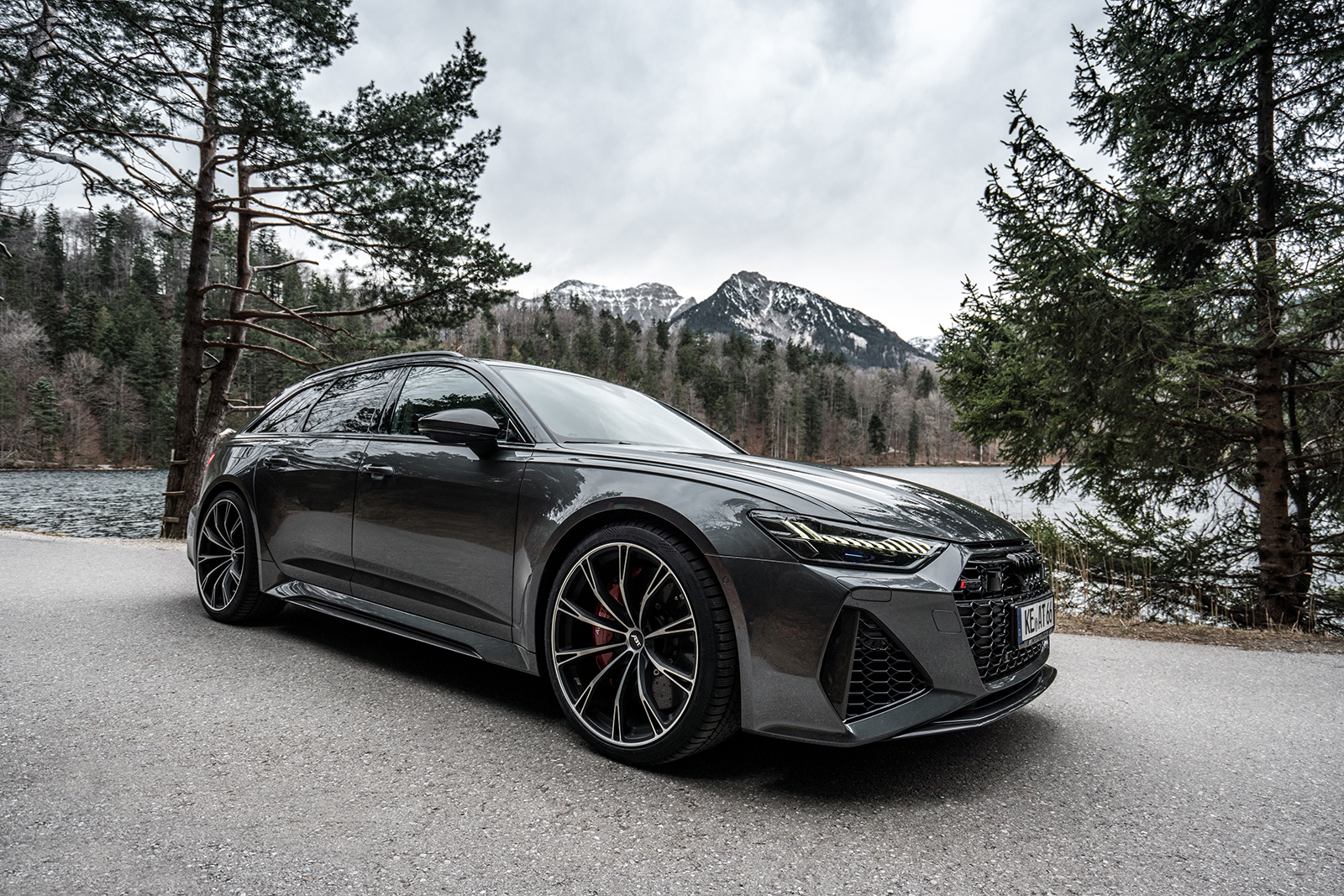 ABT_RS6_landscape_front_diagonally_4