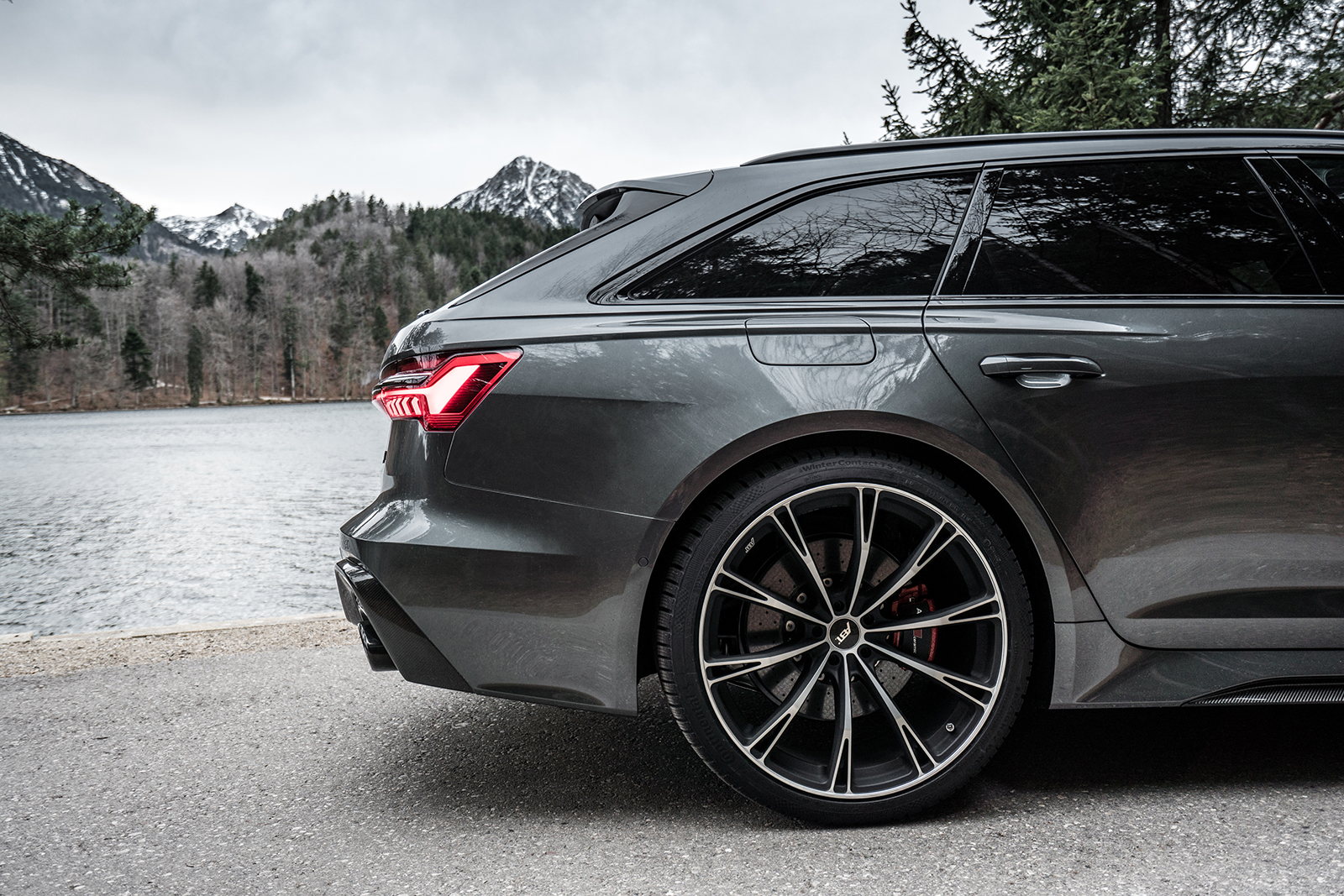 ABT_RS6_landscape_rear_detail