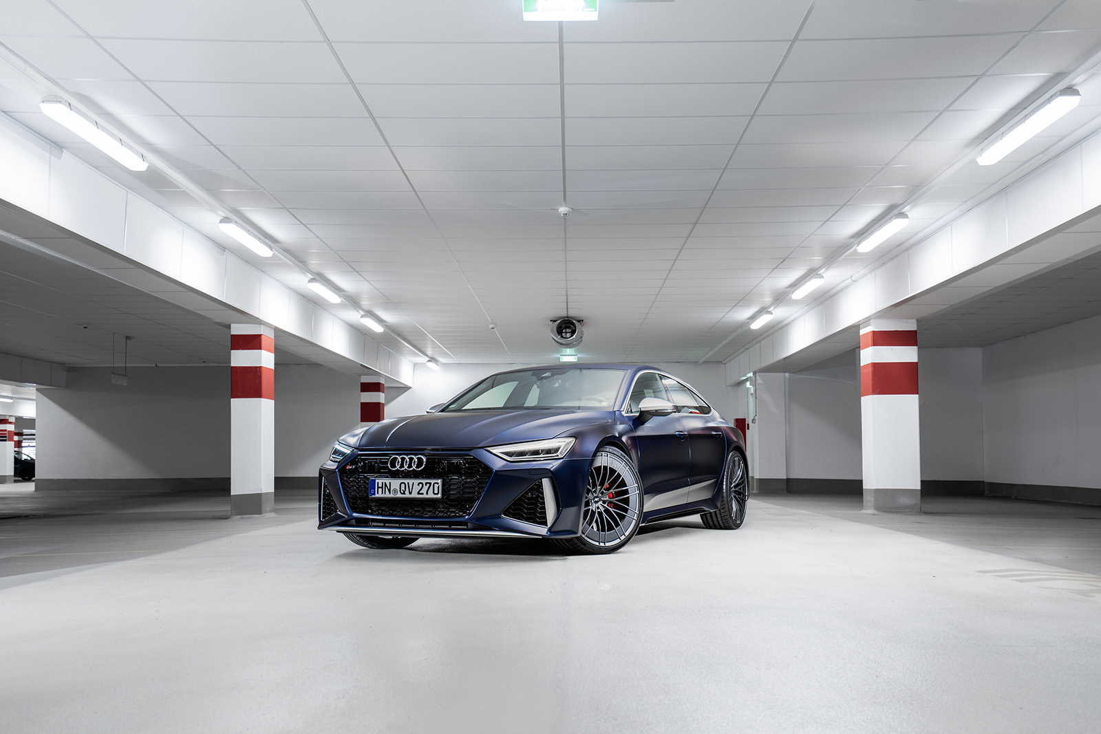 ABT_RS7_blue_front_diagonally_depot_1