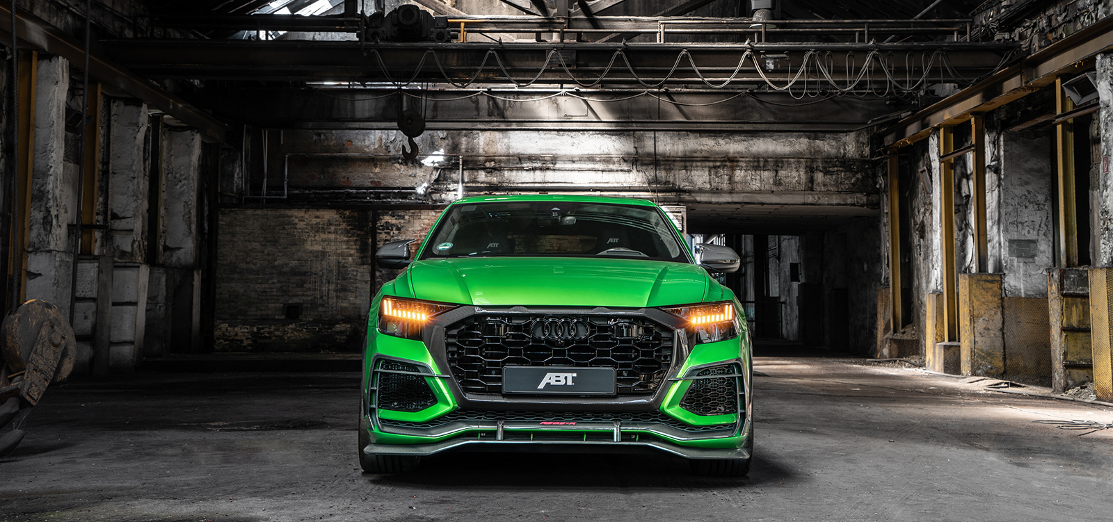 ABT_RSQ8-R_green_HR23_building_front