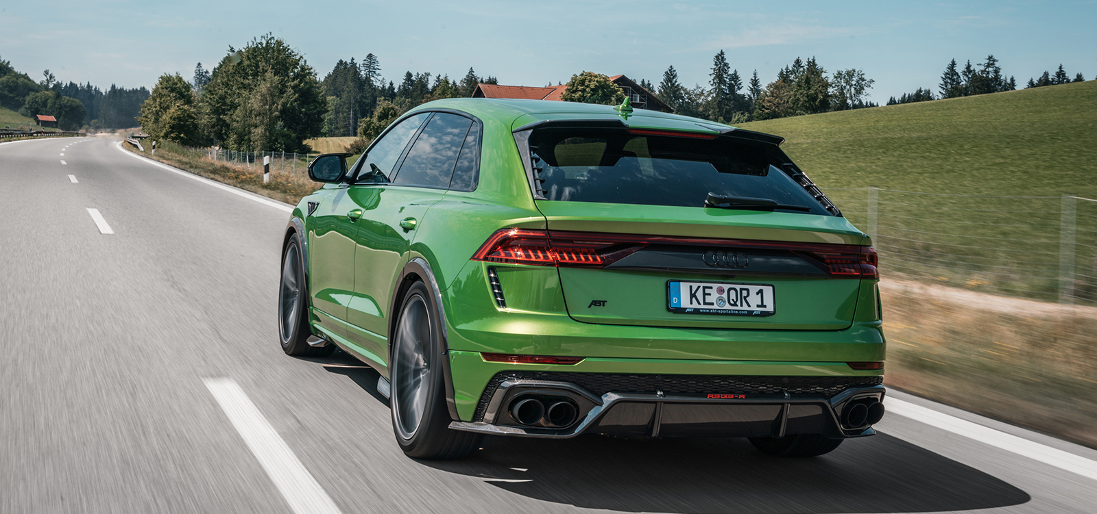 ABT_RSQ8-R_green_HR23_dynamic_rear