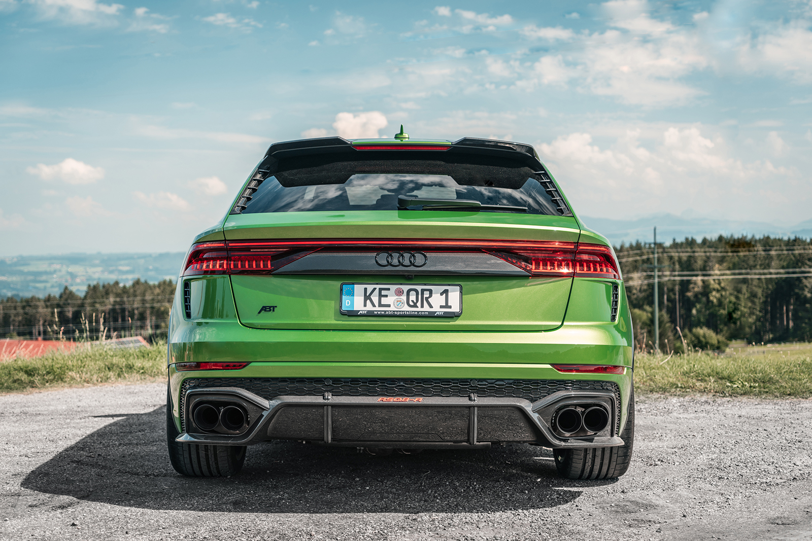 ABT_RSQ8-R_green_HR23_landscape_rear