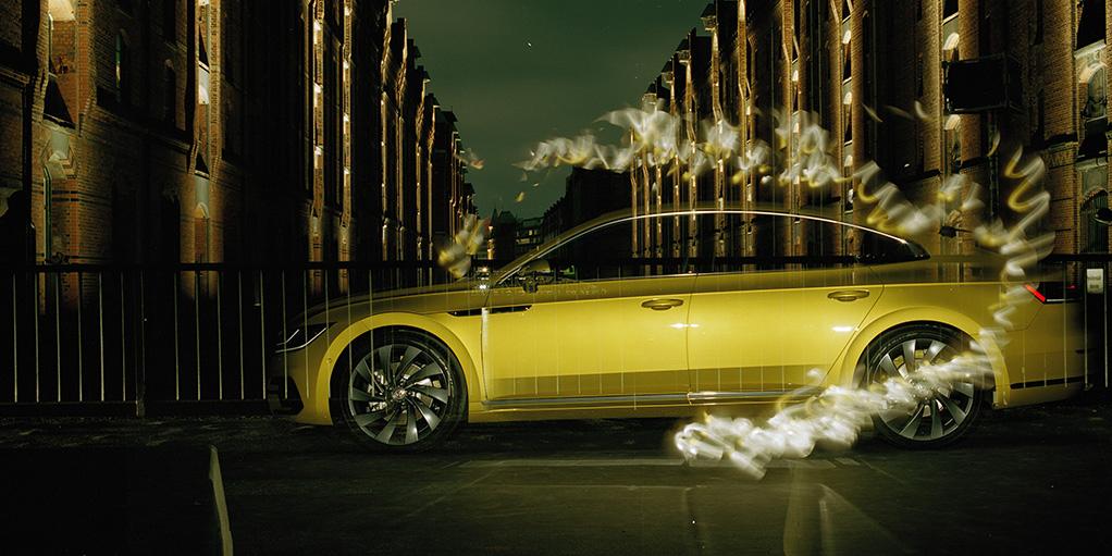"""?Man braucht keine Augen, um Schönheit zu erkennen"""" ? Blinder Fotograf Pete Eckert inszeniert neuen Volkswagen Arteon mit einzigartigen Bildern"""