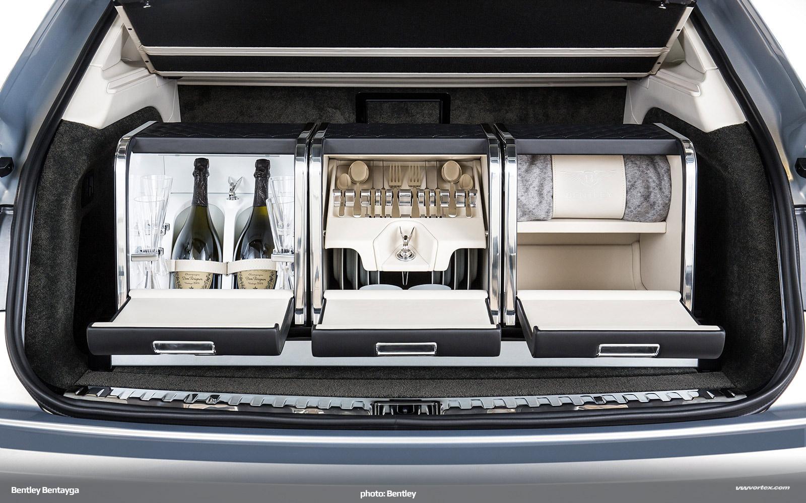 Bentley-Bentayga-SUV-crossover-2016-462