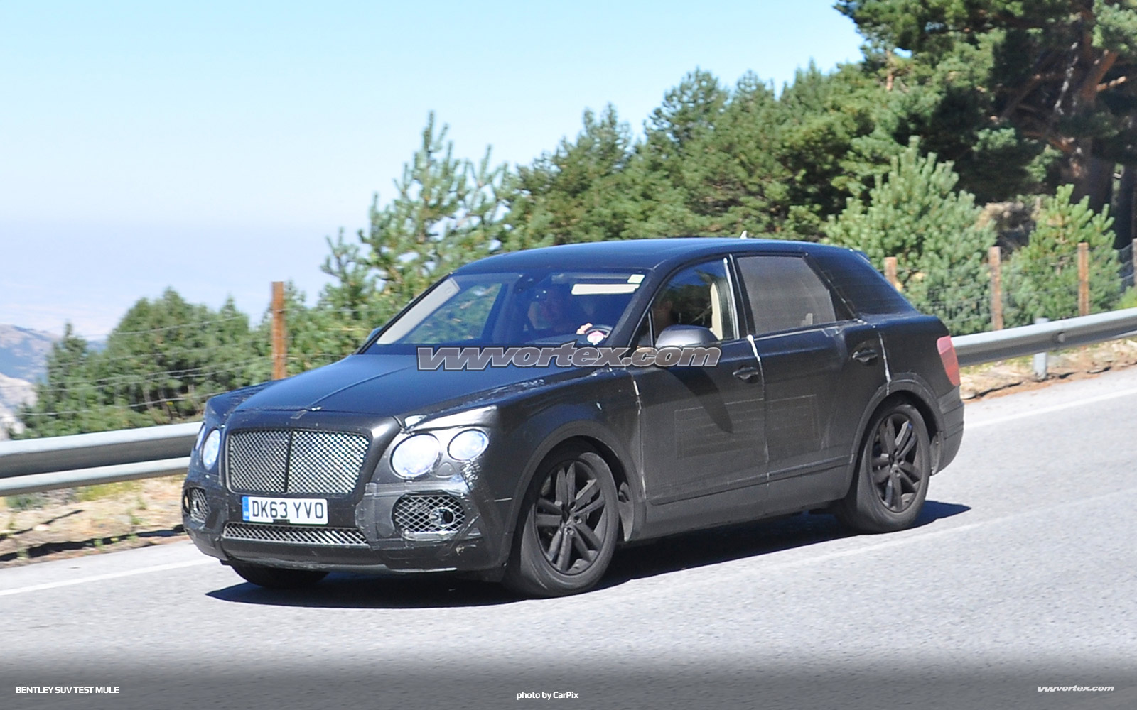bentley-suv-mule-3-364