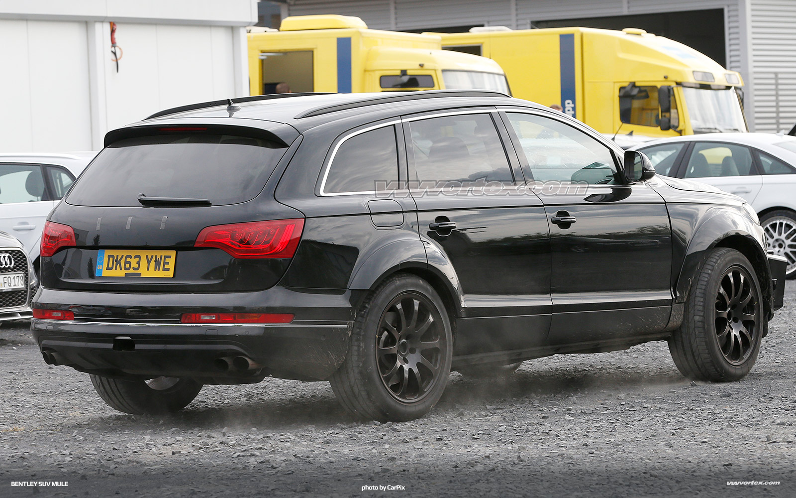 bentley-suv-mule-spy-photos-367