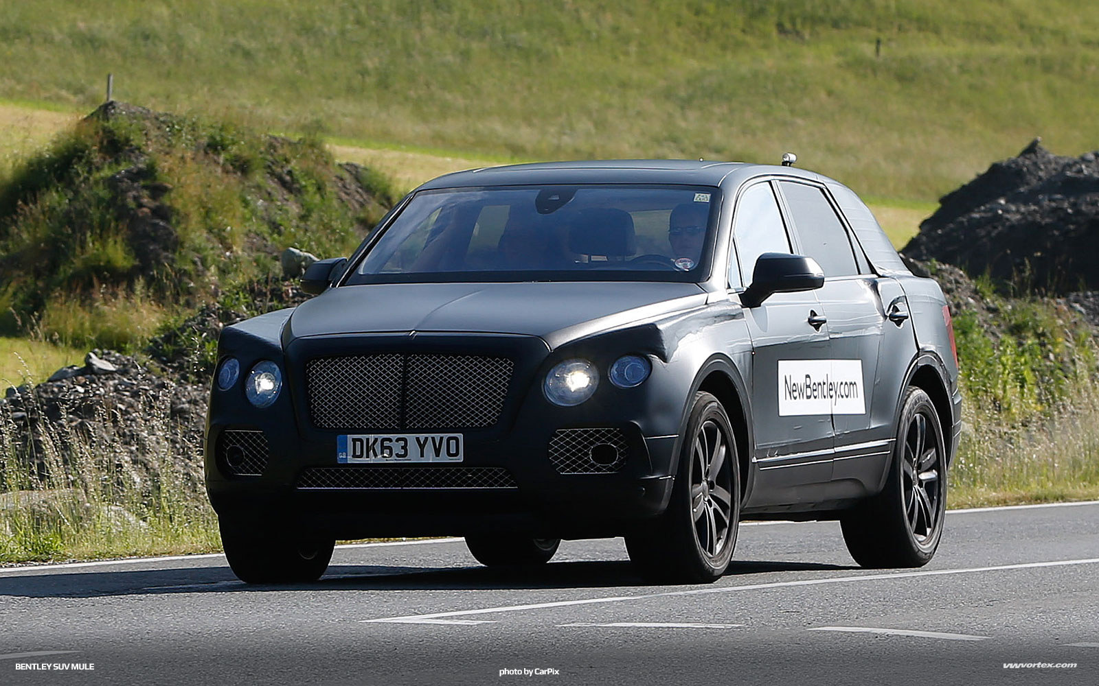bentley suv mule spy photos 370 150x150