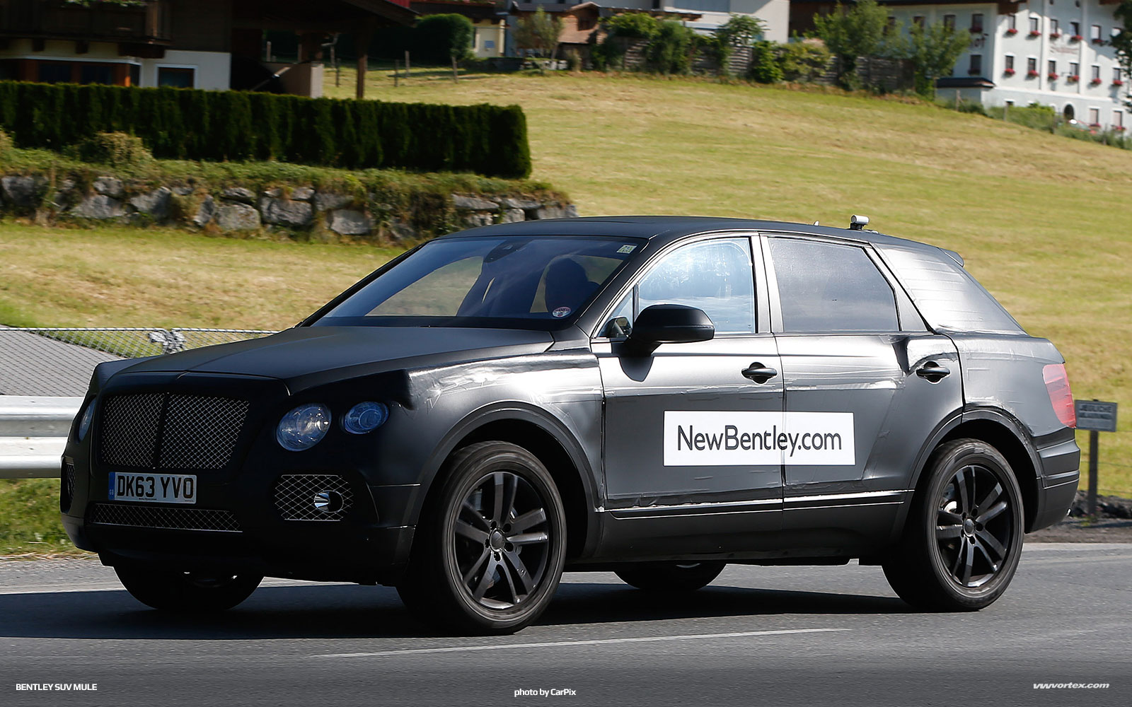 bentley-suv-mule-spy-photos-376