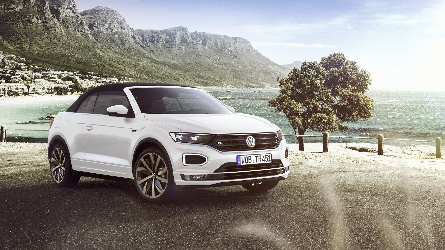 The new Volkswagen T-Roc Cabriolet