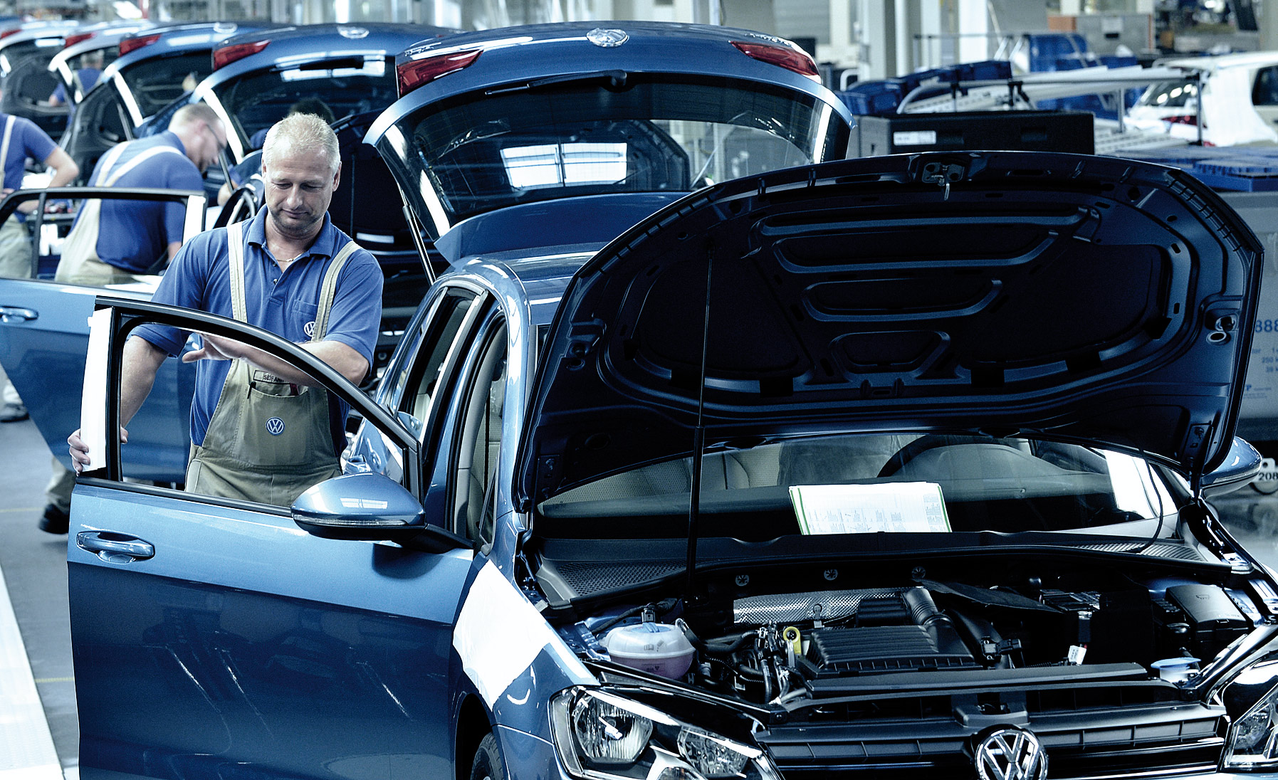 VW Credit, Inc. Closes US $9 Billion Credit Facility With Consortium
