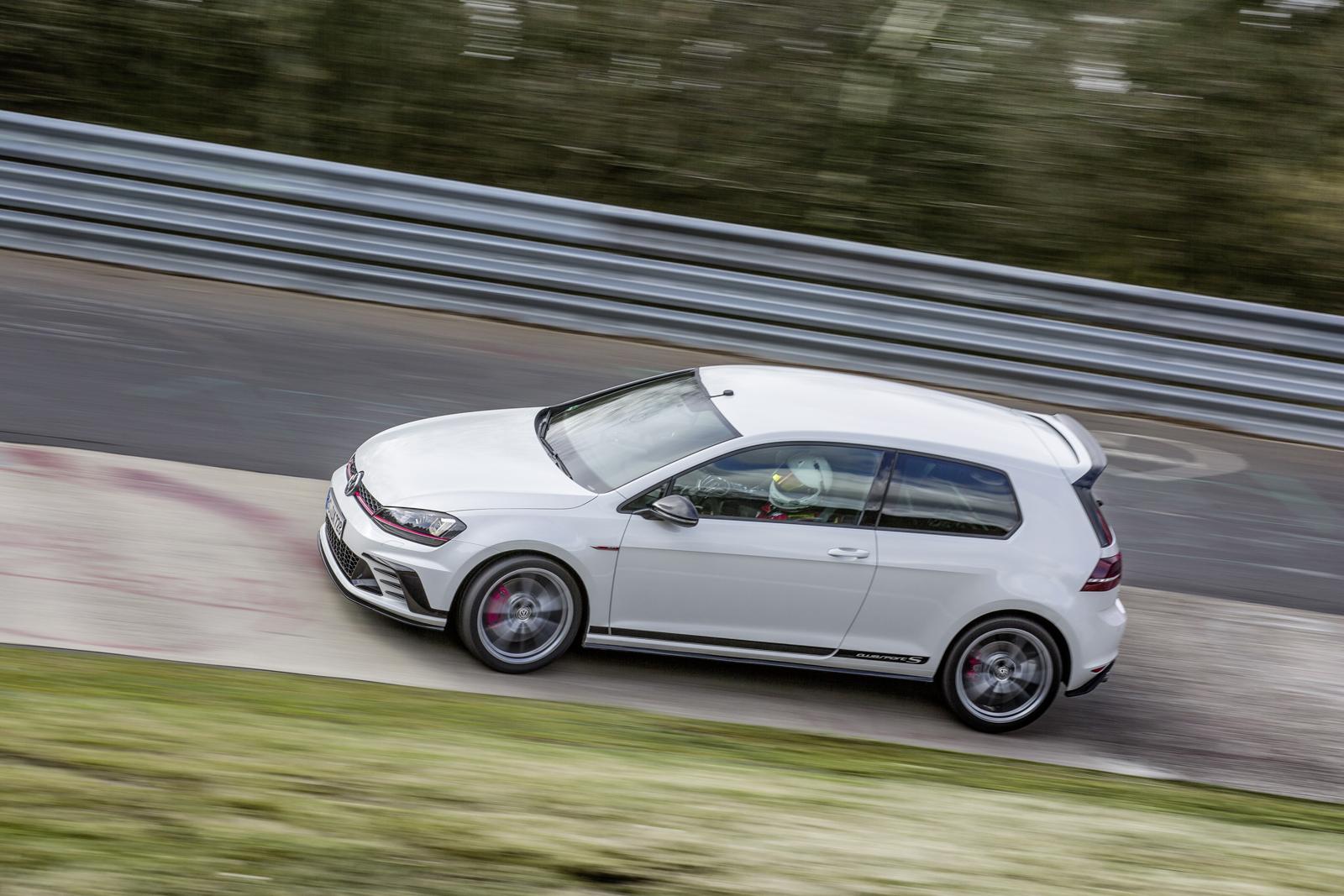 Audi RS4 Avant mule 4 600x300 photo