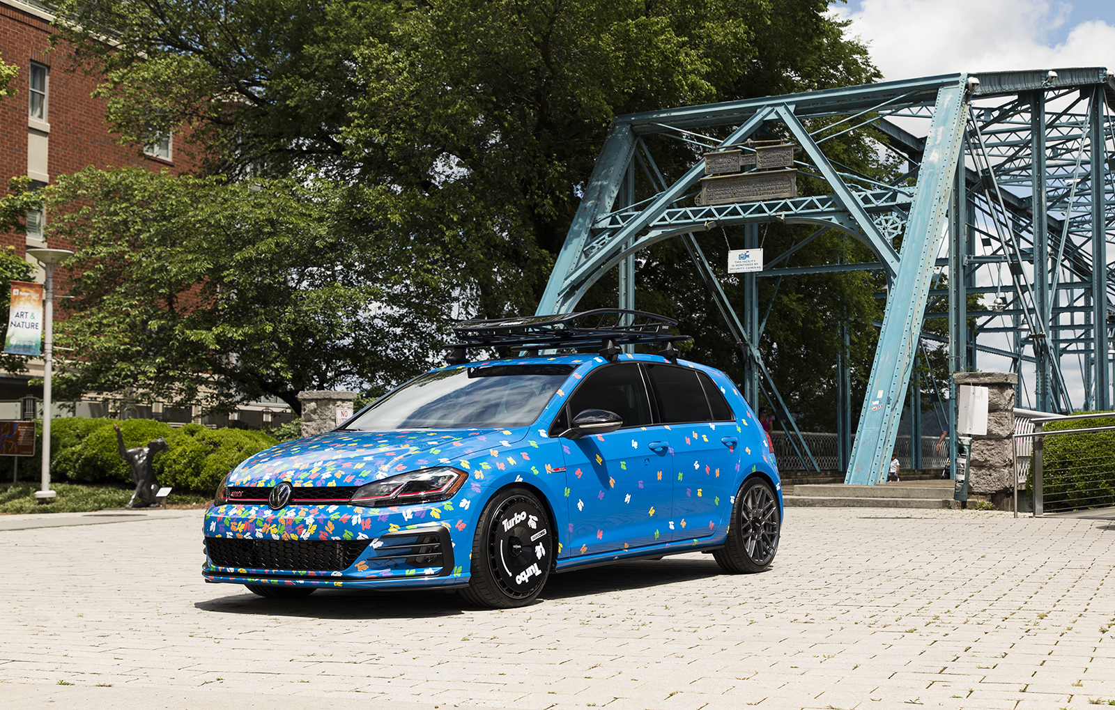 Golf_GTI_Rabbit_Confetti_Concept--9872