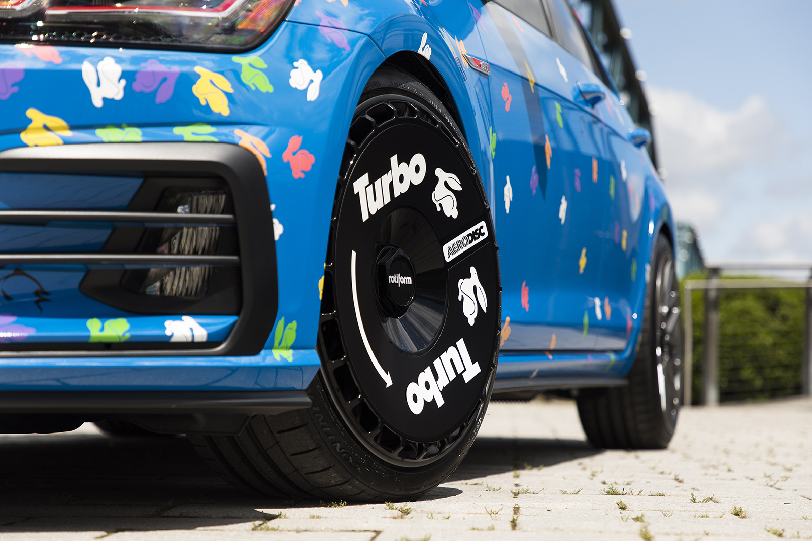 Golf_GTI_Rabbit_Confetti_Concept--9875