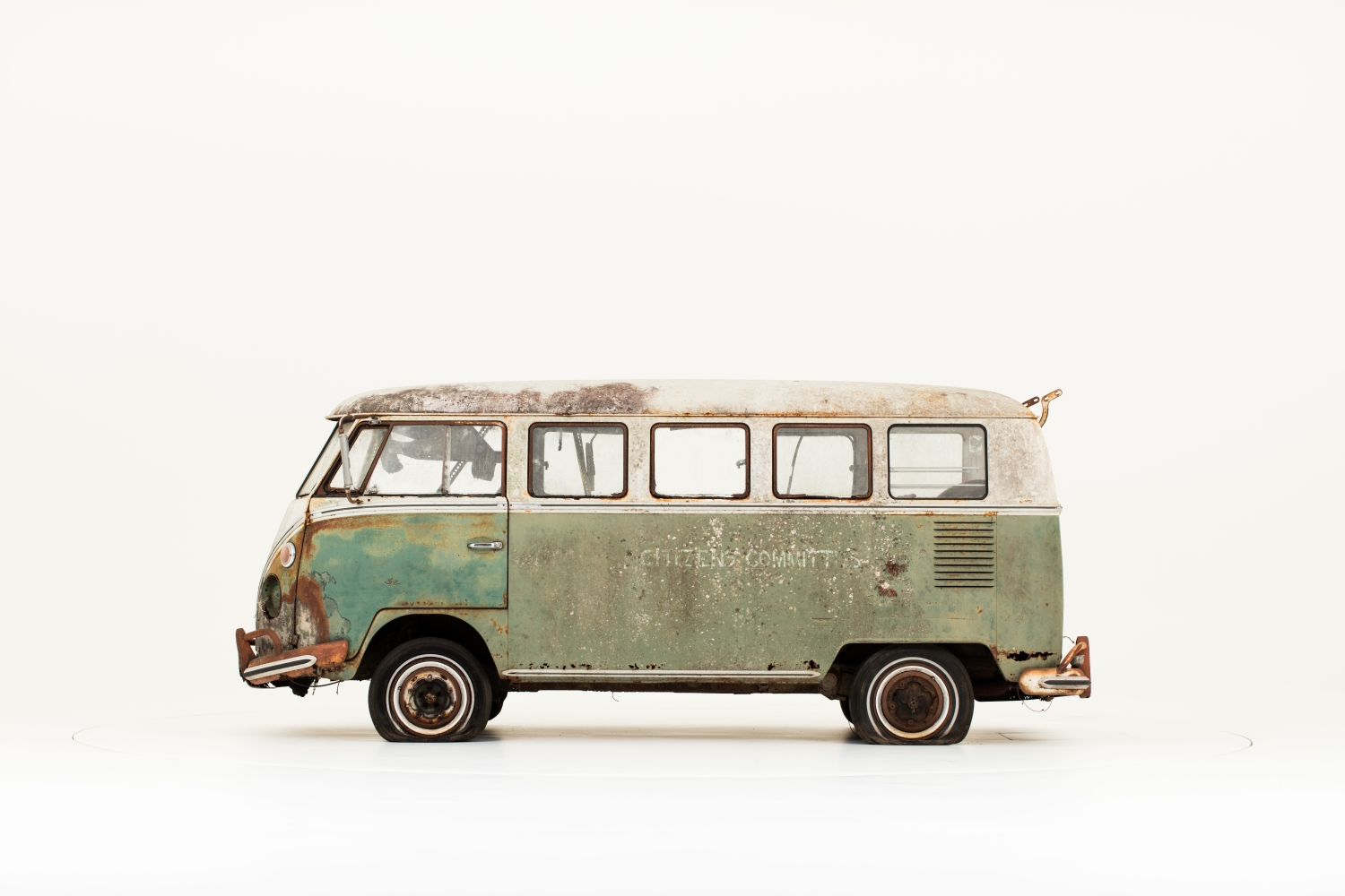 Jenkins_Bus_1966_Volkswagen_Type_2-Small-10201