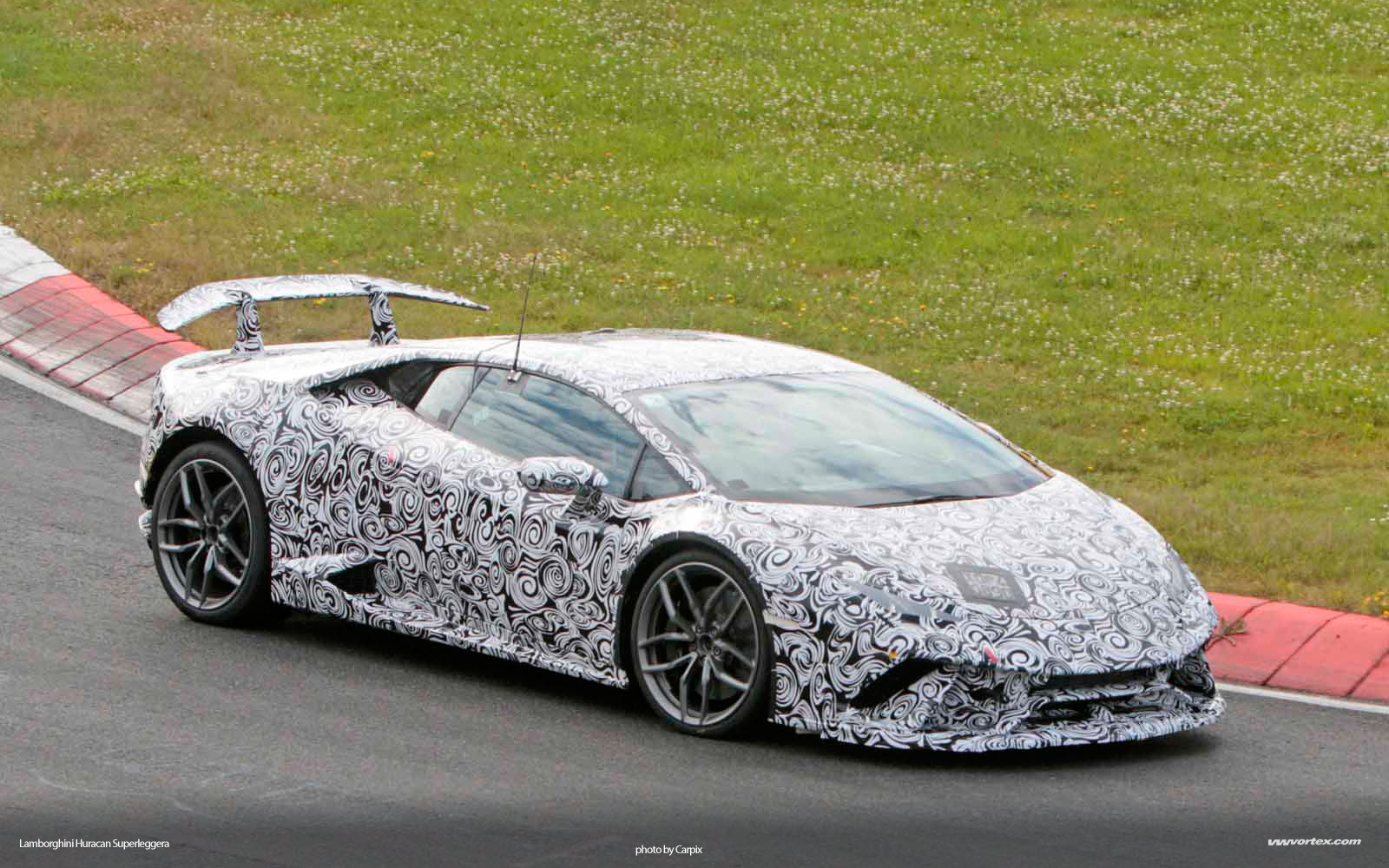 Lamborghini-Huracan-Superleggera-5