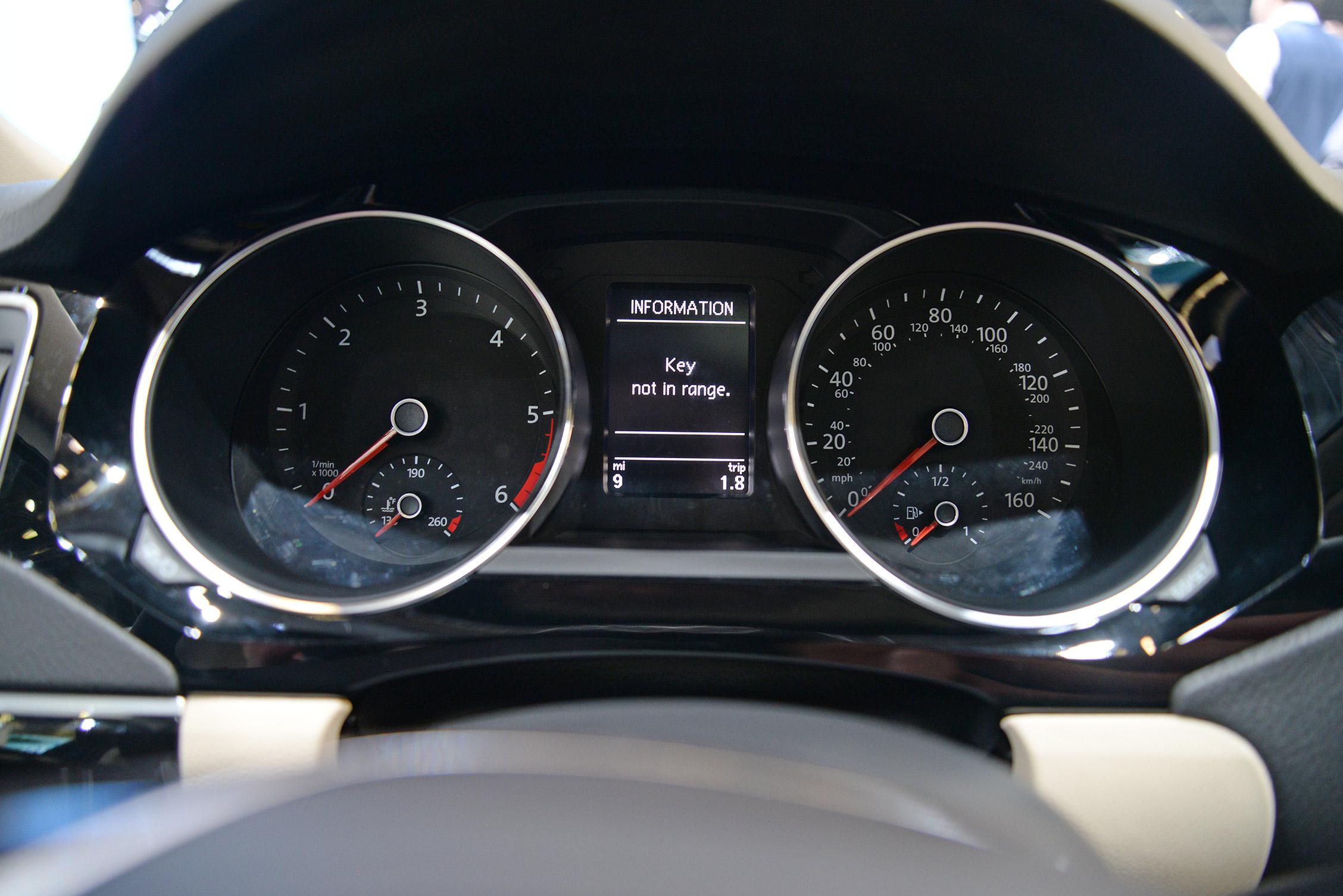 new-york-auto-show-volkswagen-011