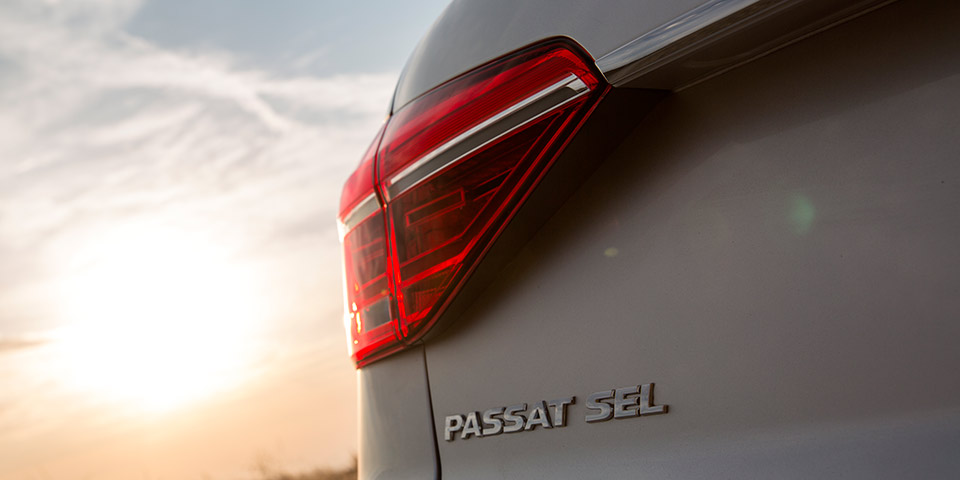 Passat_Exterior_Badge_SEL