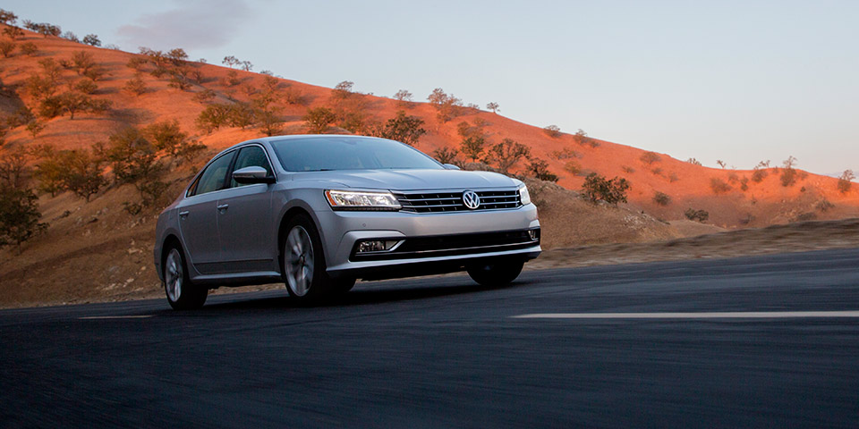 Passat_Exterior_SEL_Motion_Low