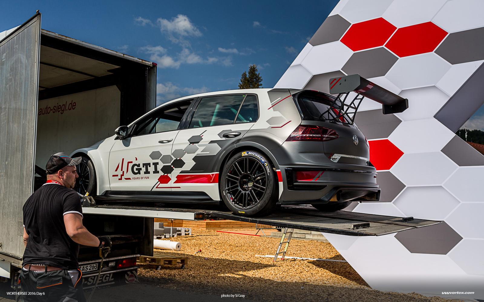 2015 Audi Sport TT Cup Norisring Doreen Seidel Playboy 281 600x300 photo