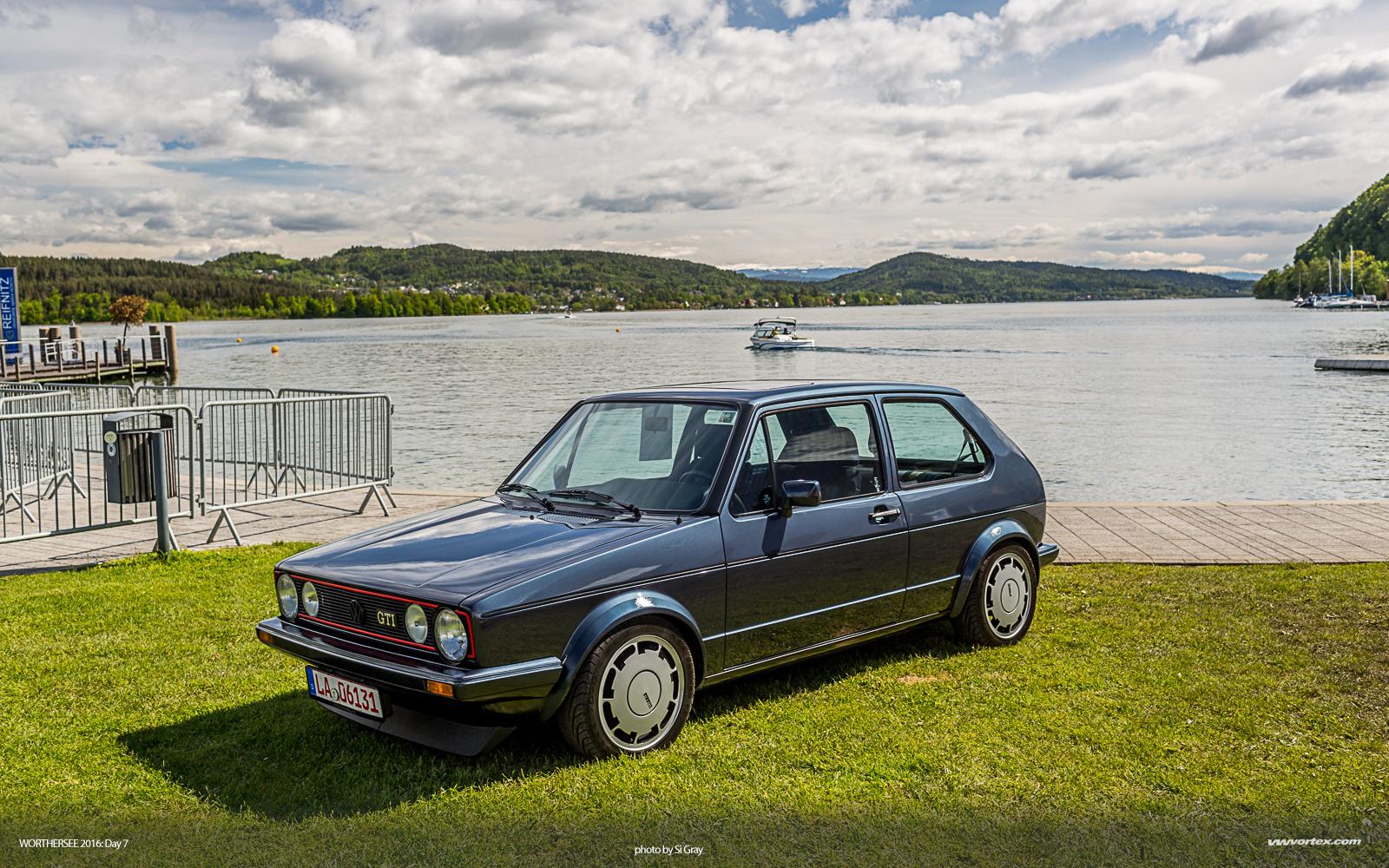 rs6 sedan render 600x300 photo