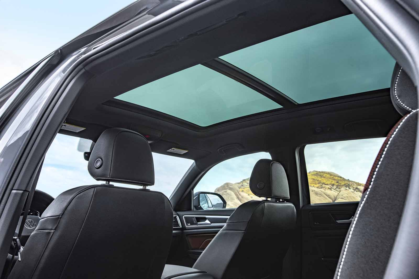 SUNROOF_BSUV-5_0208_w3