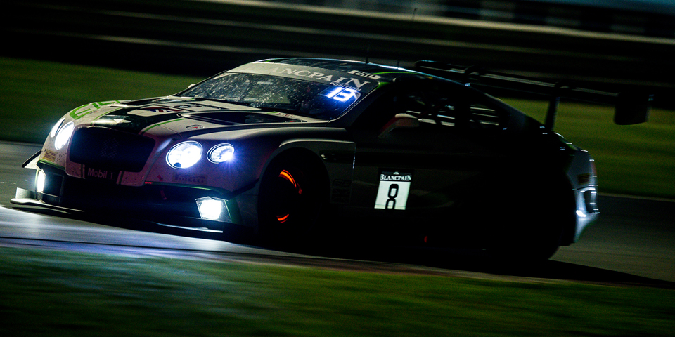 The-no.-8-Continental-GT3-in-the-night-race