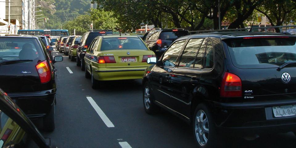 Traffic_jam_Rio_de_Janeiro_03_2008_28