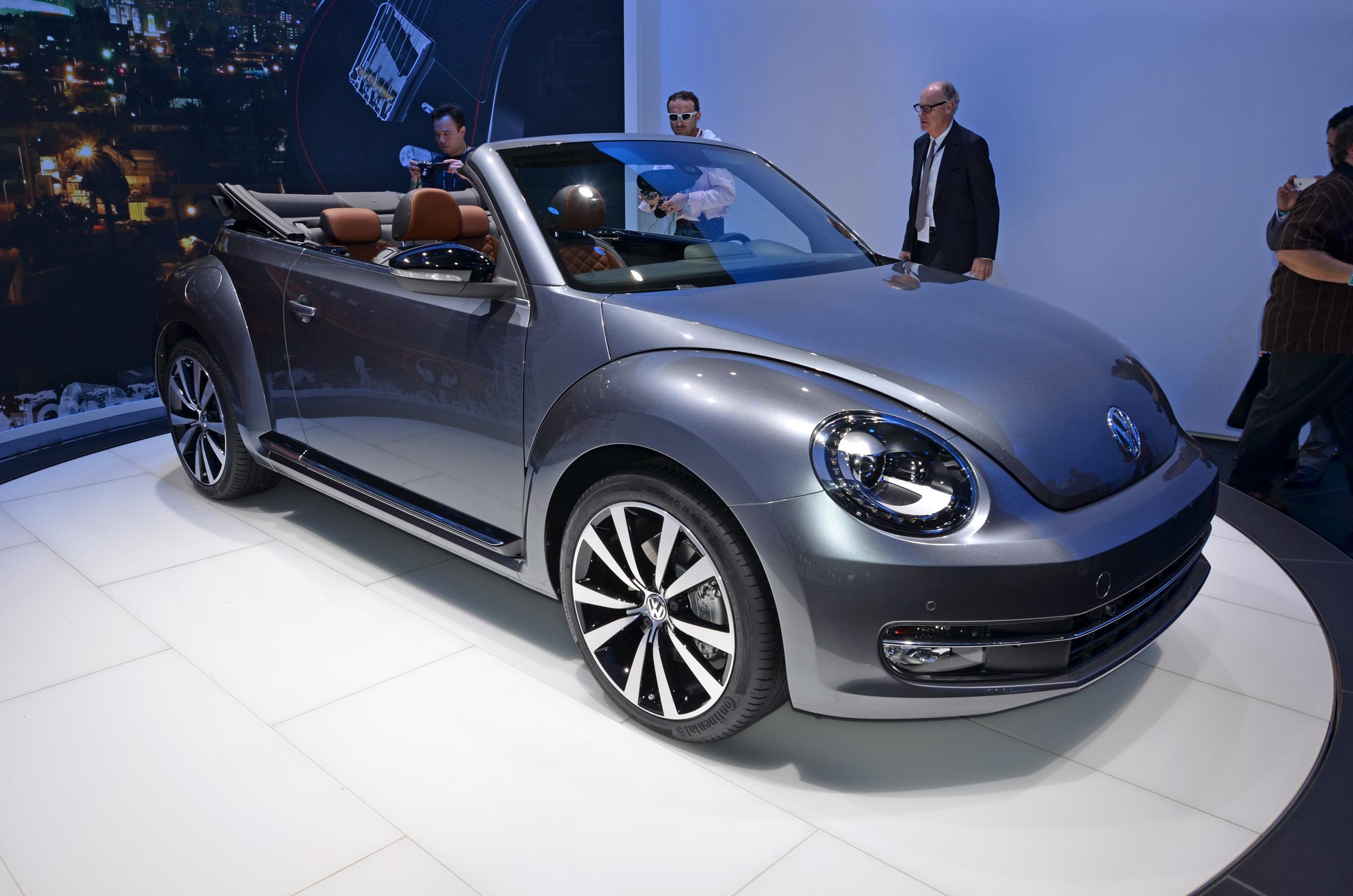 volkswagen-beetle-convertible-001