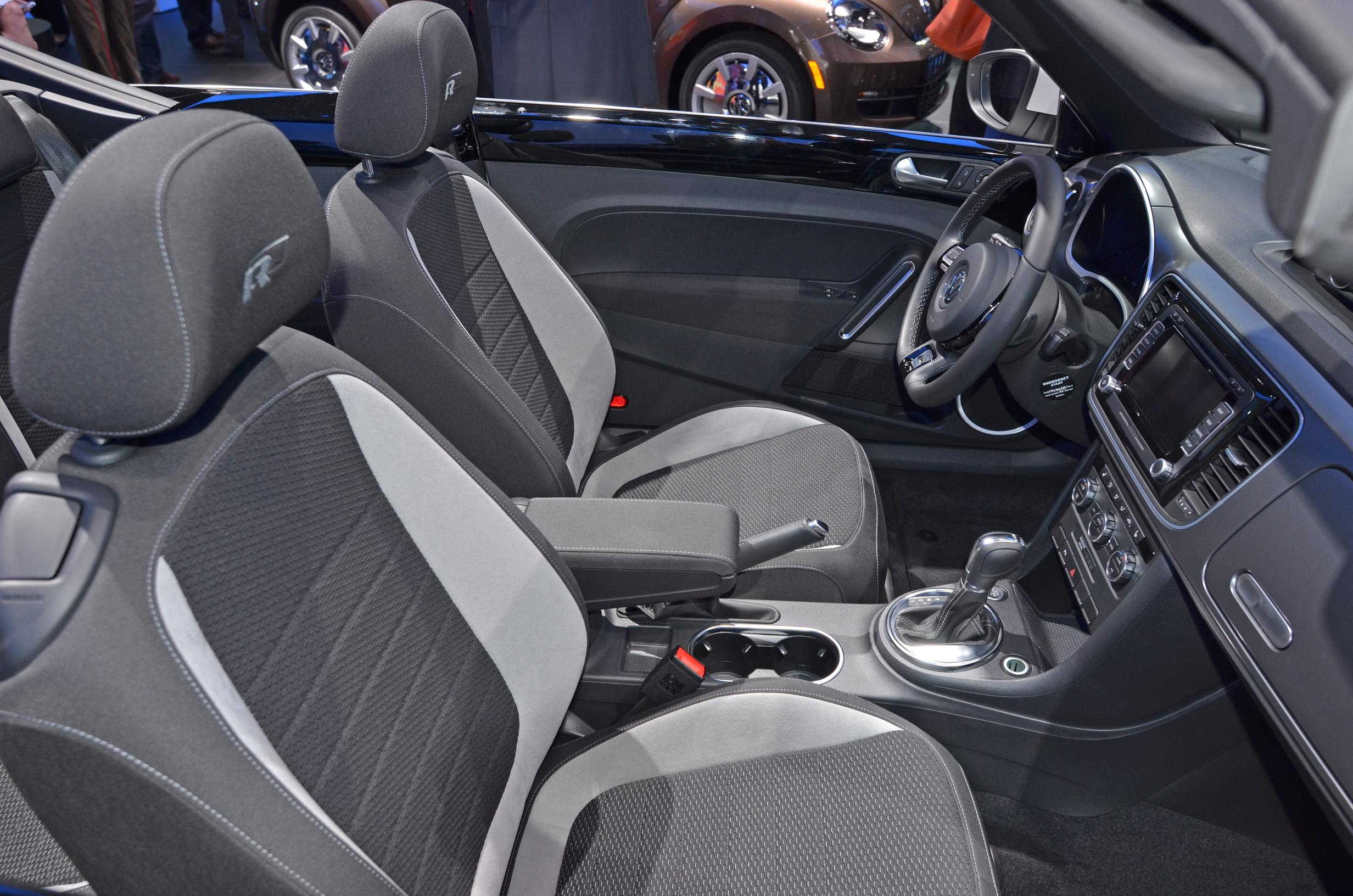 volkswagen-beetle-convertible-005