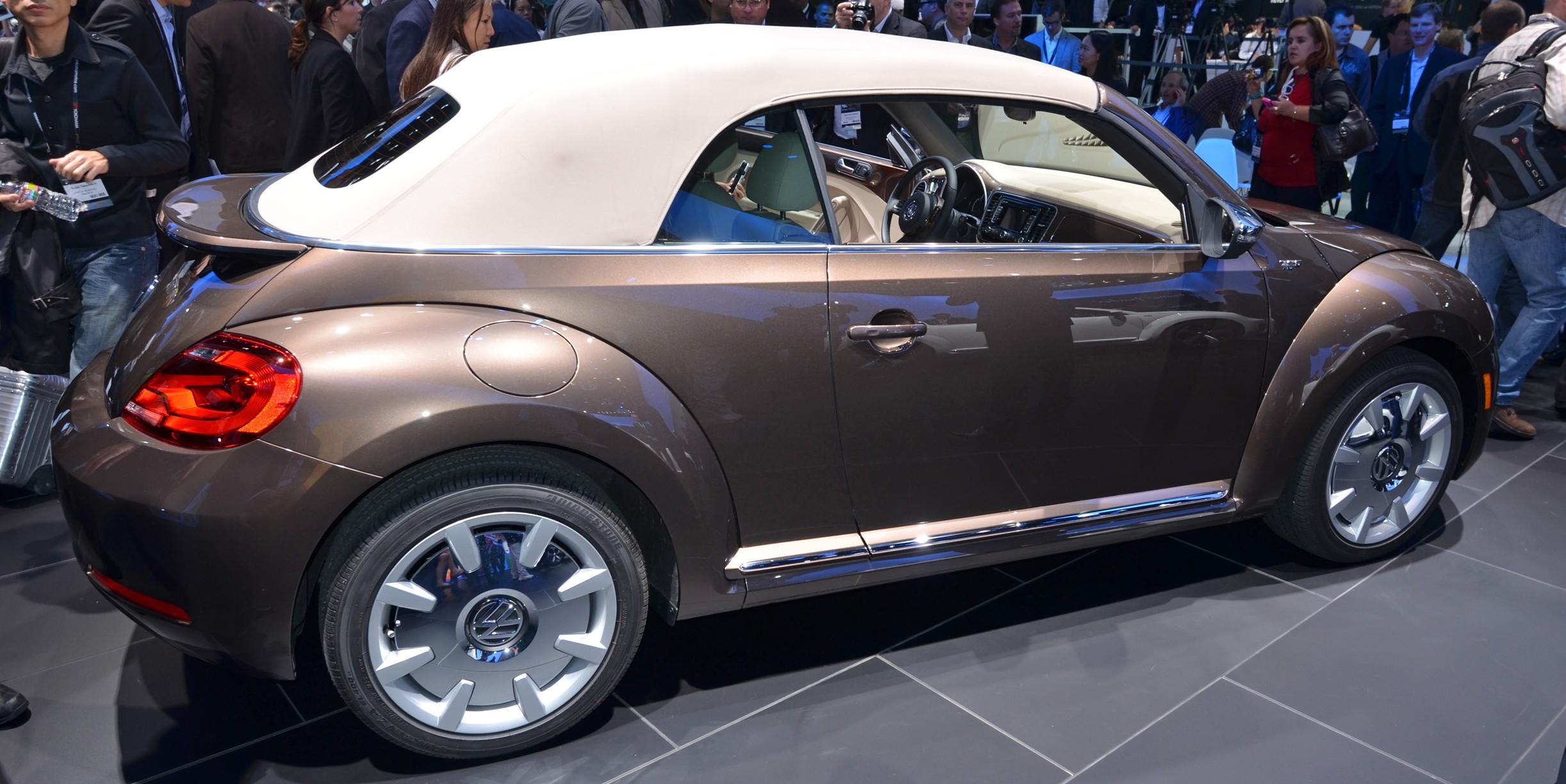 volkswagen beetle convertible 009 e1354153156843