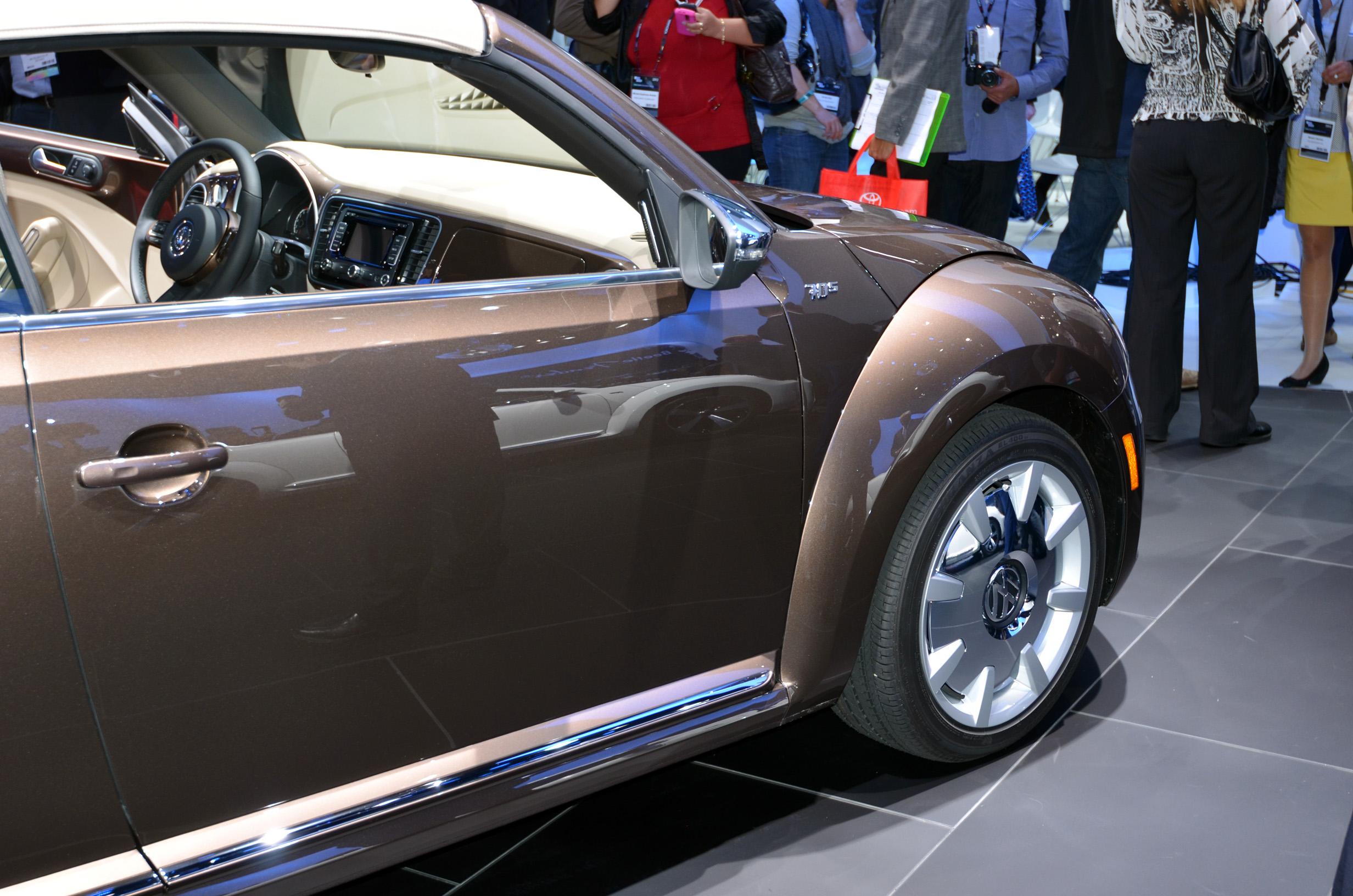 volkswagen-beetle-convertible-010